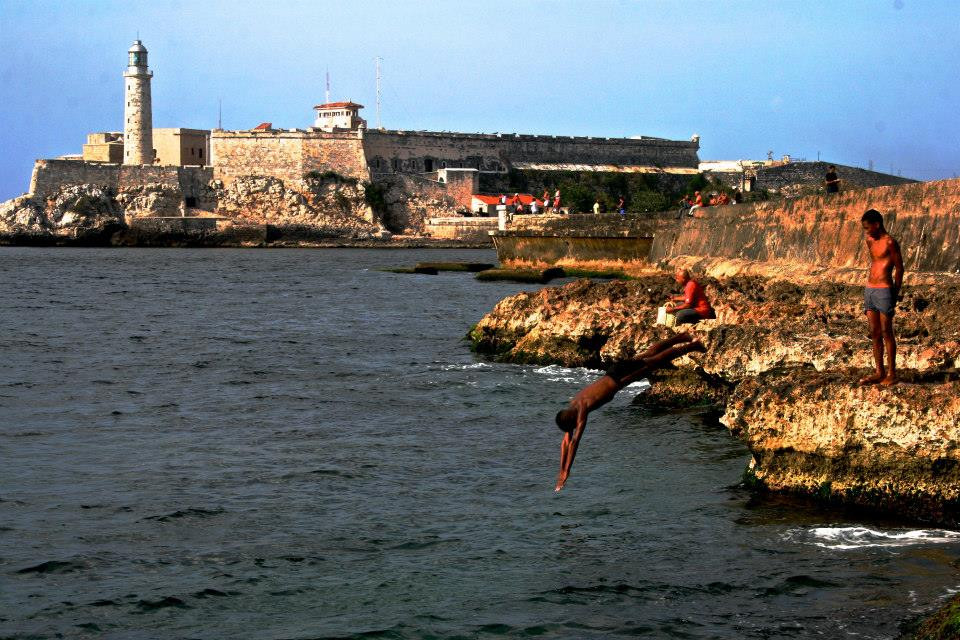 Havana itself does not have sandy beaches, but the limestone cliffs still make for great swimming.