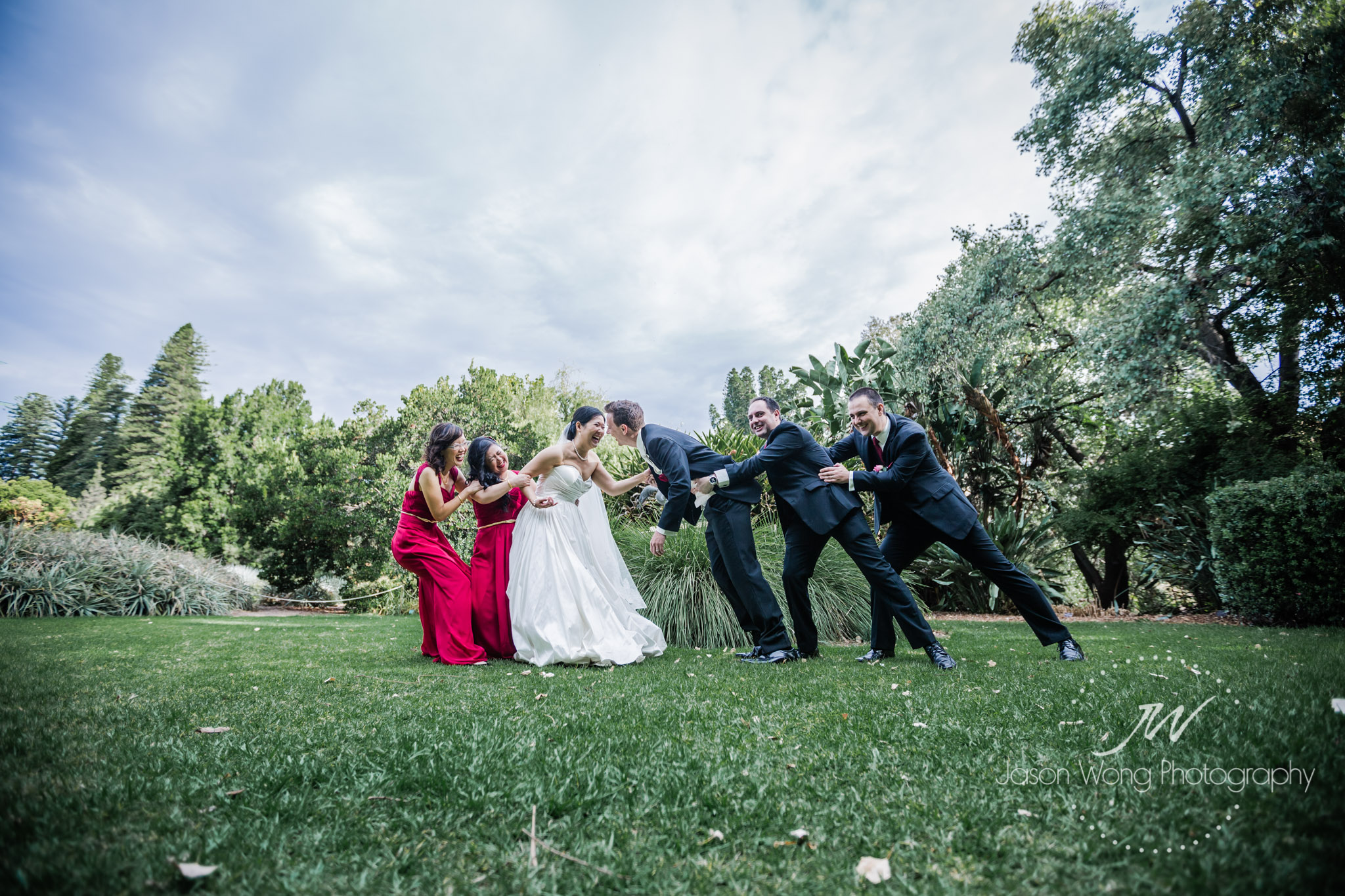bridal-party-tug-a-wall.jpg