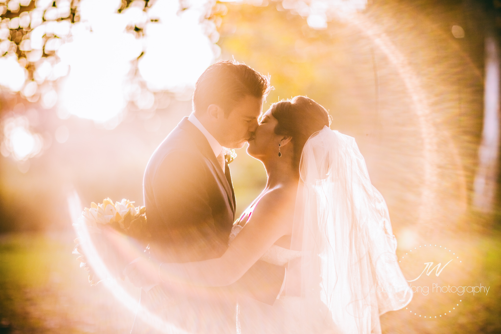 sunset-romantic-kiss-halo.jpg