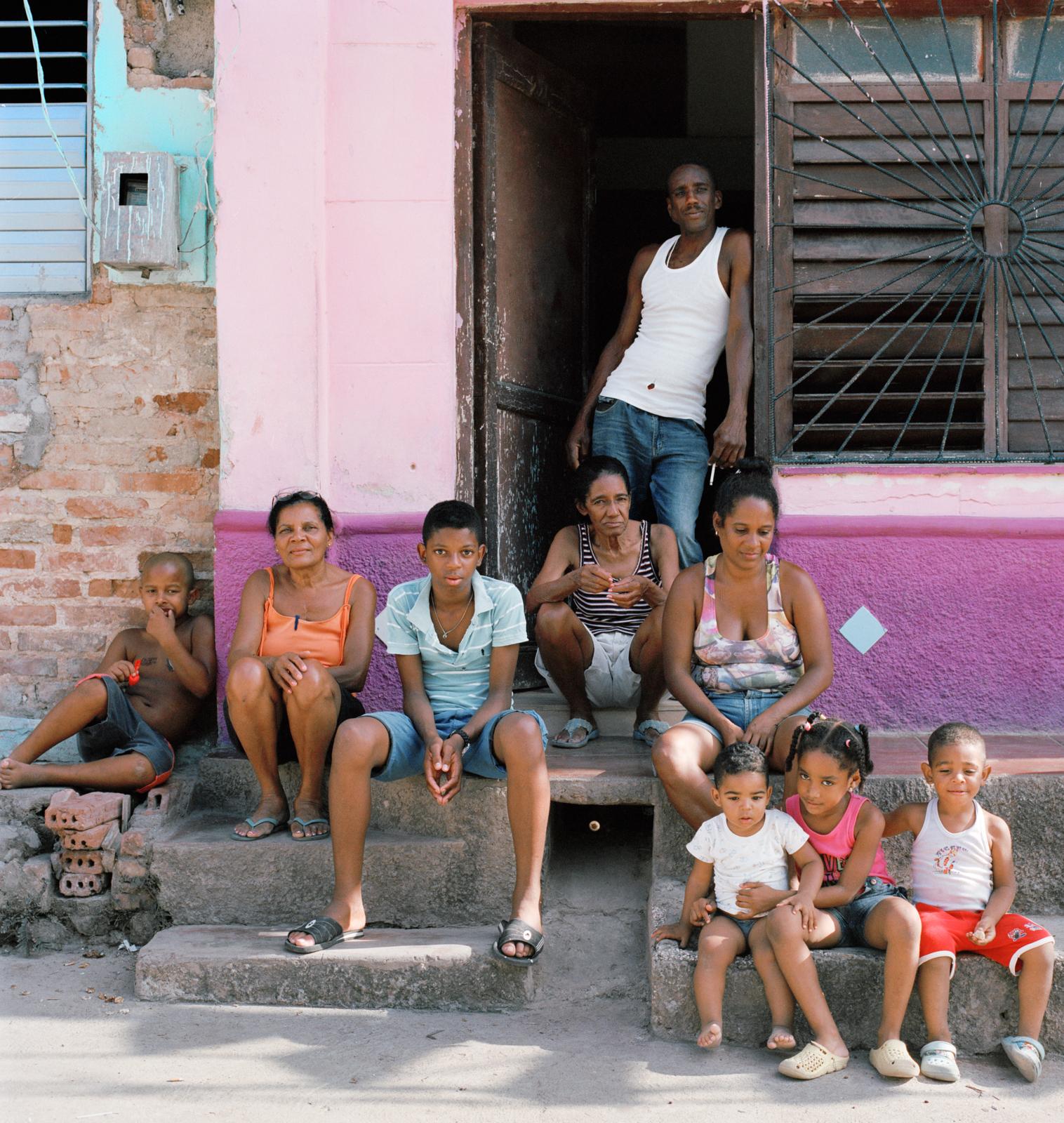 35trinidad_Leo_family.jpg
