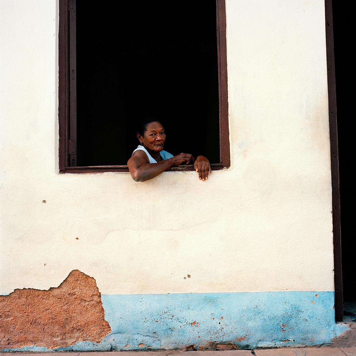 39trinidad_woman_window2.jpg