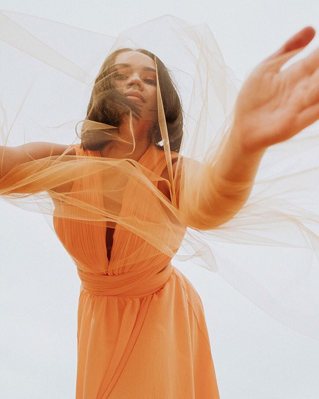 I saw you in my dreams again It felt so real 🧡 styling & creative direction x @by.thechicchameleon  model x @maiasopheary makeup x @mikaylaonthebeat  photo x @ikeandtash