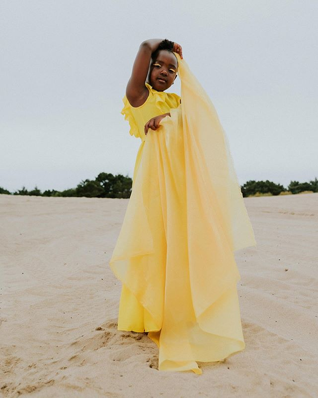 I get to see this little queen in a week! 💛 can't wait to see my girls! @itstashhaynes  p.c. @ikeandtash  styling & creative direction: @by.thechicchameleon  model: @lifewithwisdom  mua: @ouikayla