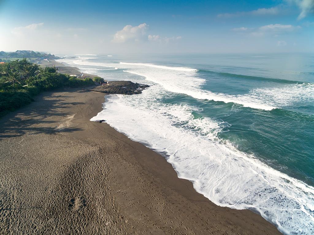 Sungai-Tinggi-Beach-Villa-Beach-and-ocean-in-front-of-the-villa.jpg