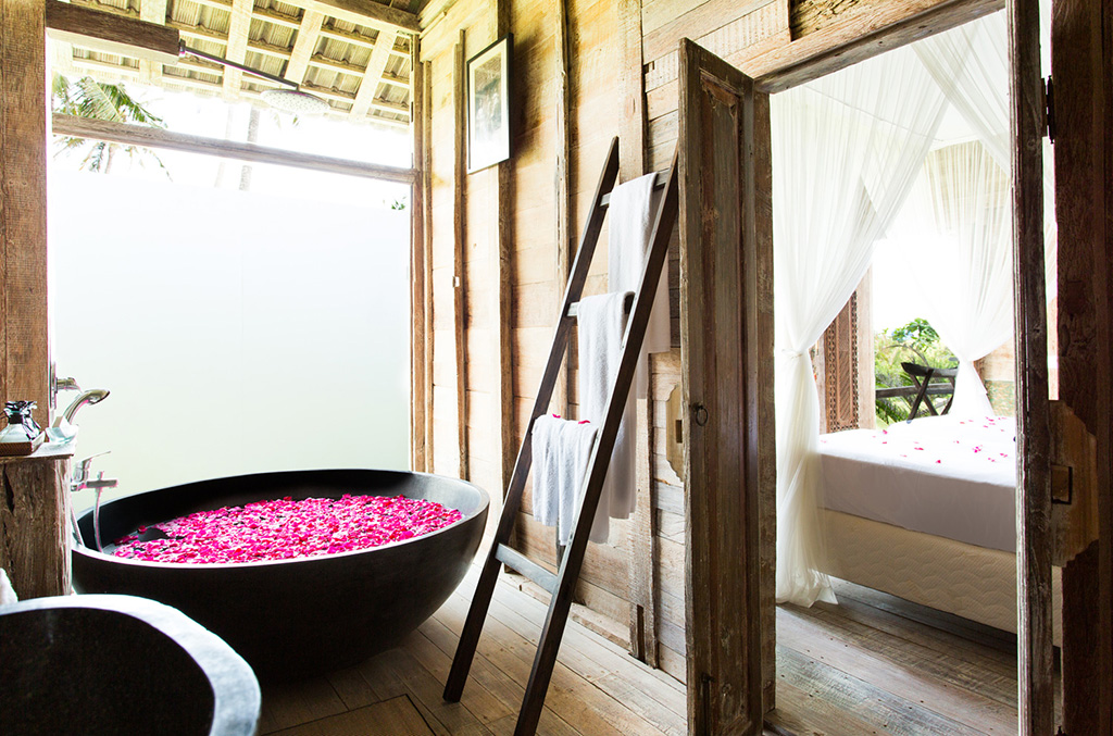 Sungai-Tinggi-Beach-Villa-Guesthouse-bedroom-one-ensuite.jpg