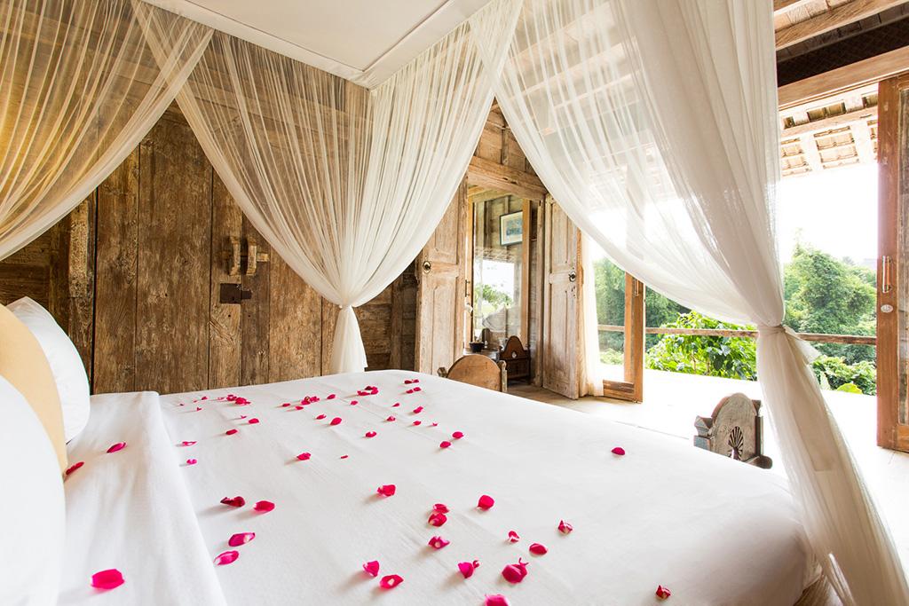 Sungai-Tinggi-Beach-Villa-Guesthouse-bedroom-one-view.jpg