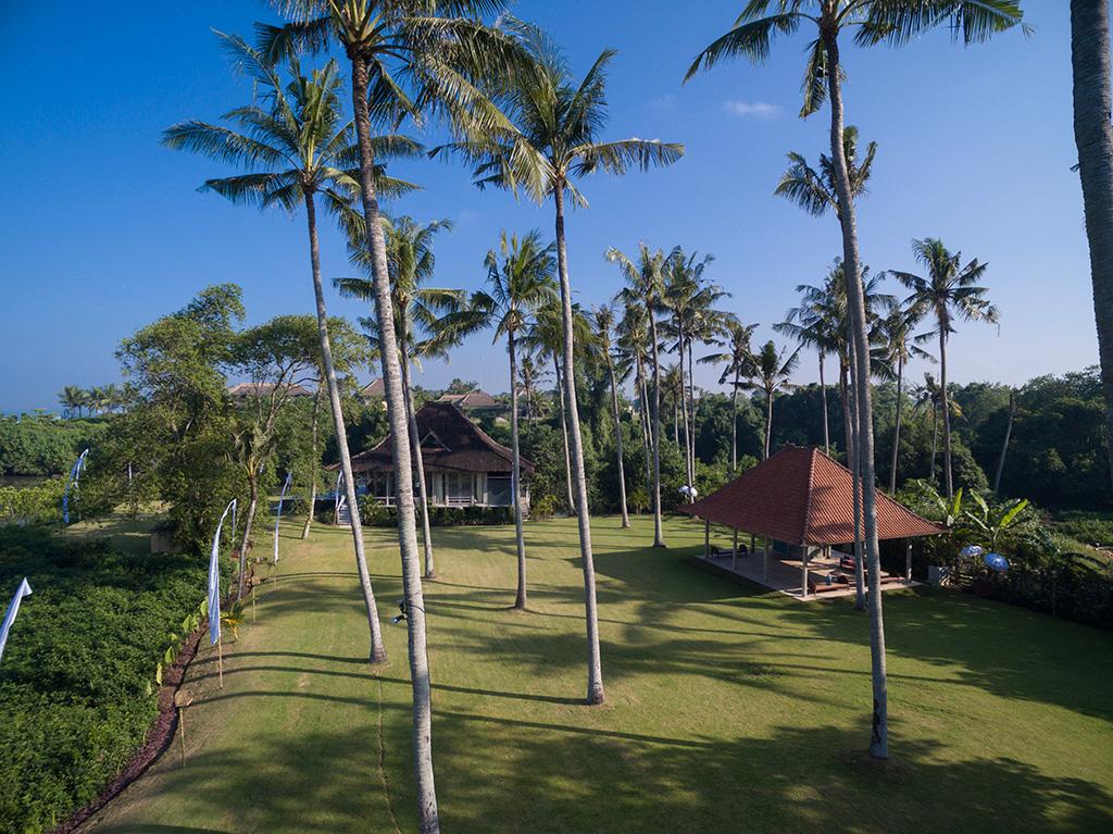 Sungai-Tinggi-Beach-Villa-The-coconut-grove.jpg
