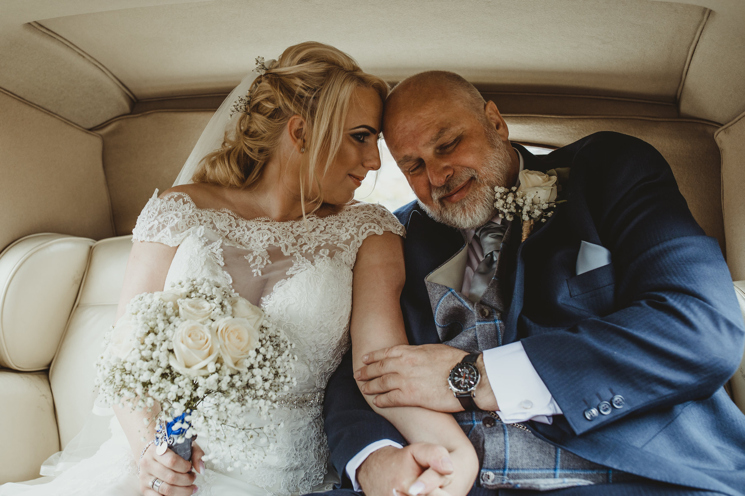 E&L_WEDDING_YORKSHIRE_PHOTOGRAPHER_LEEDS_BAGDENHALL-377.JPG