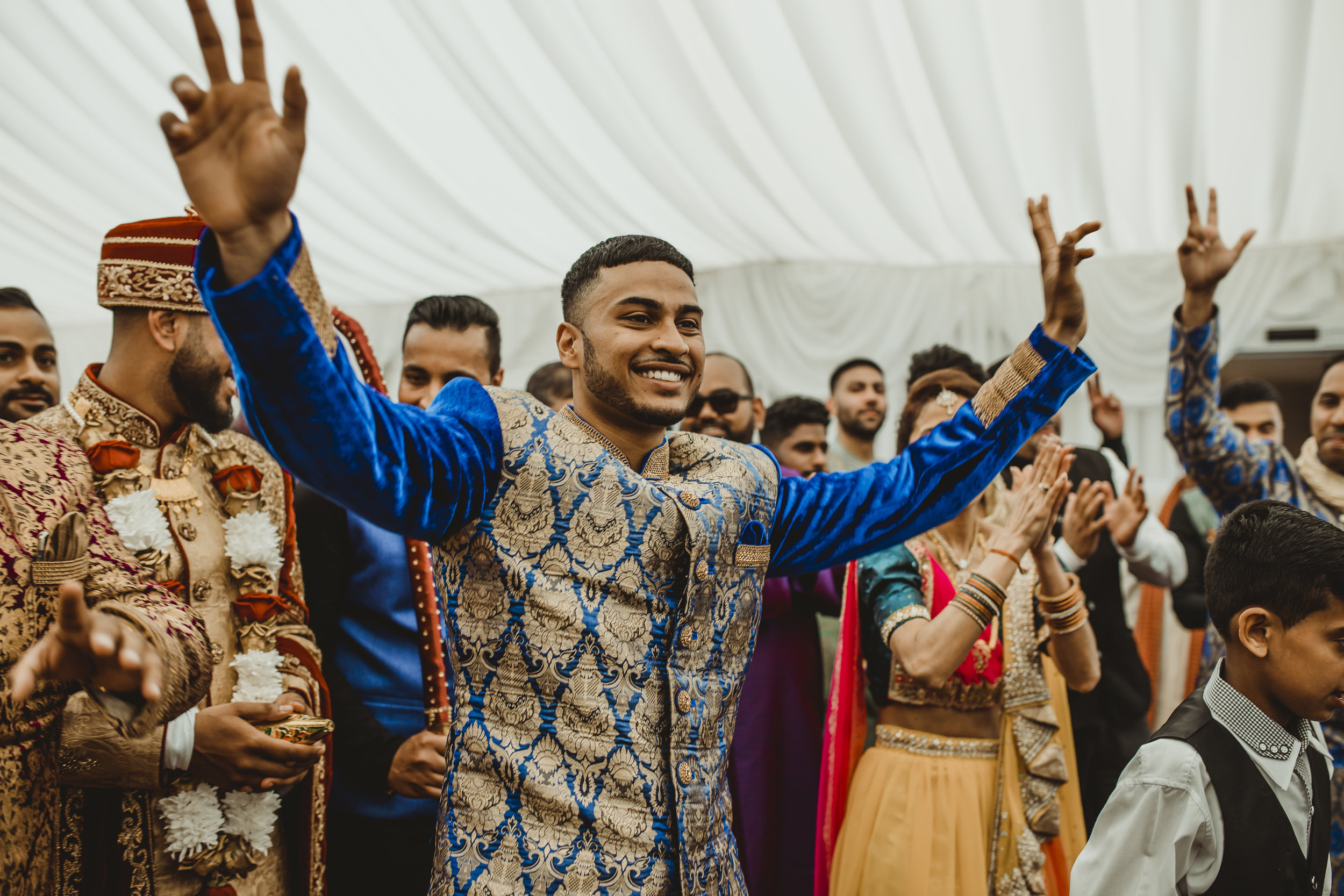 N&J_MILTON_KEYNES_WEDDING_LONDON_PHOTOGRAPHER_ASIAN_WEDDING-358.JPG