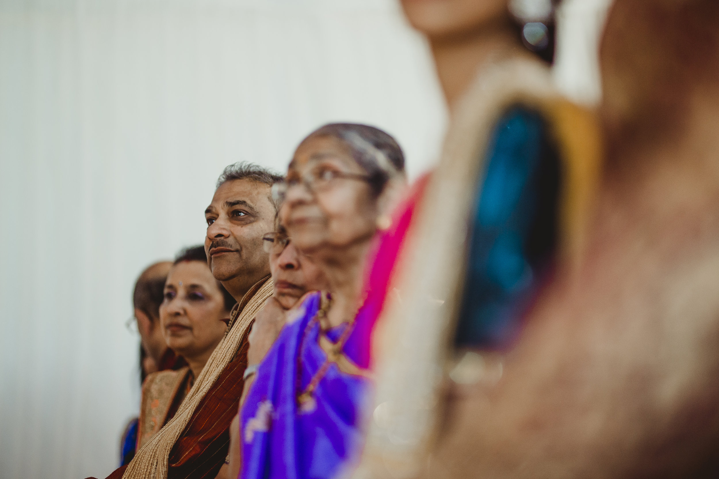 N&J_MILTON_KEYNES_WEDDING_LONDON_PHOTOGRAPHER_ASIAN_WEDDING-592.JPG