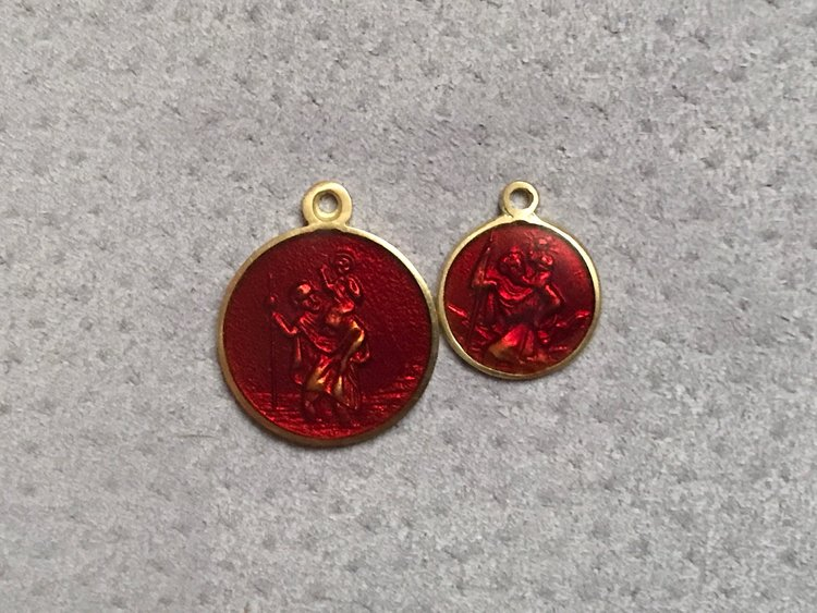 18CT YELLOW GOLD AND RED ENAMEL  MEDALLION'S