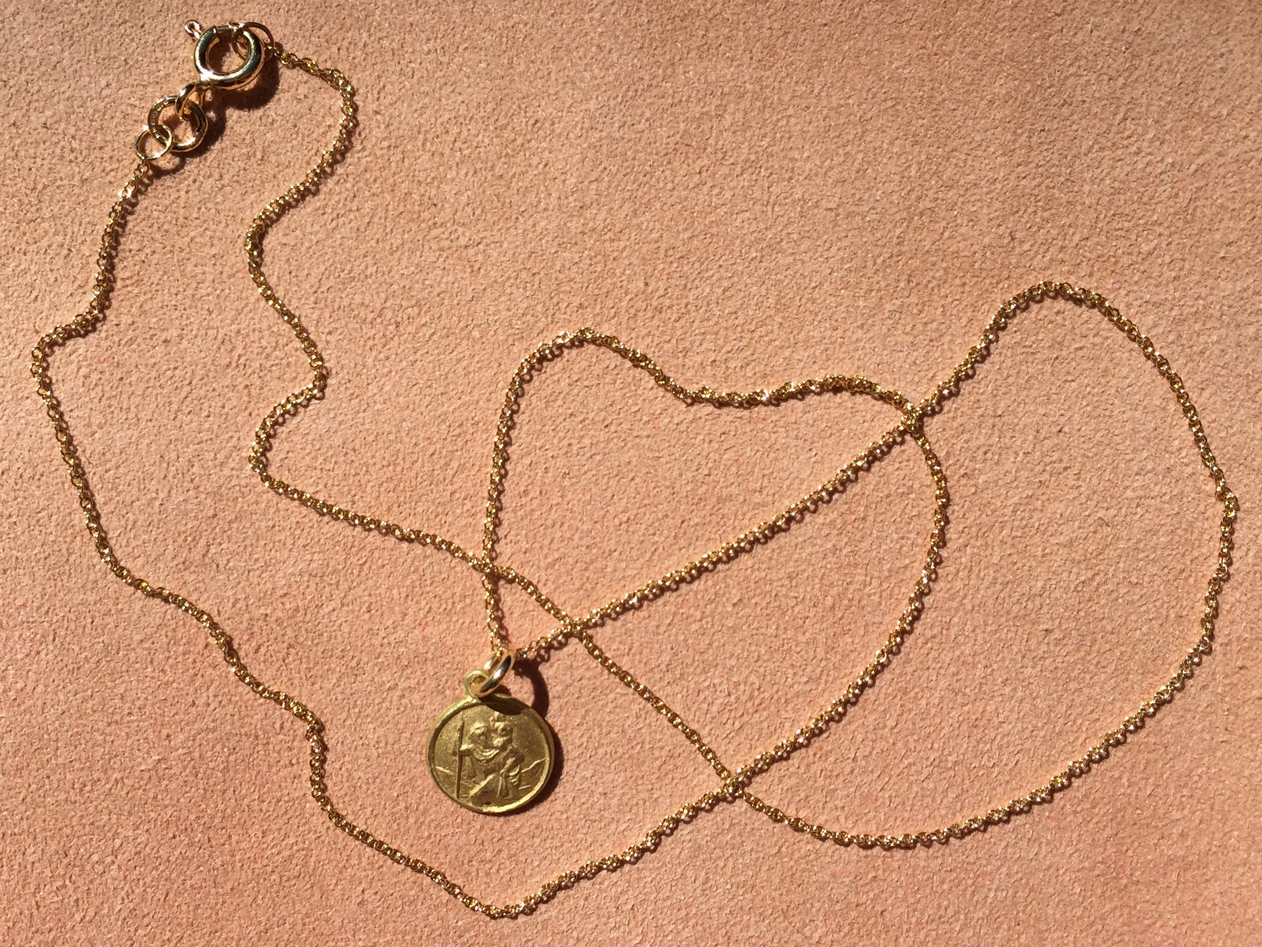 18CT YELLOW ST. CHRISTOPHER MEDALLION NECKLACE