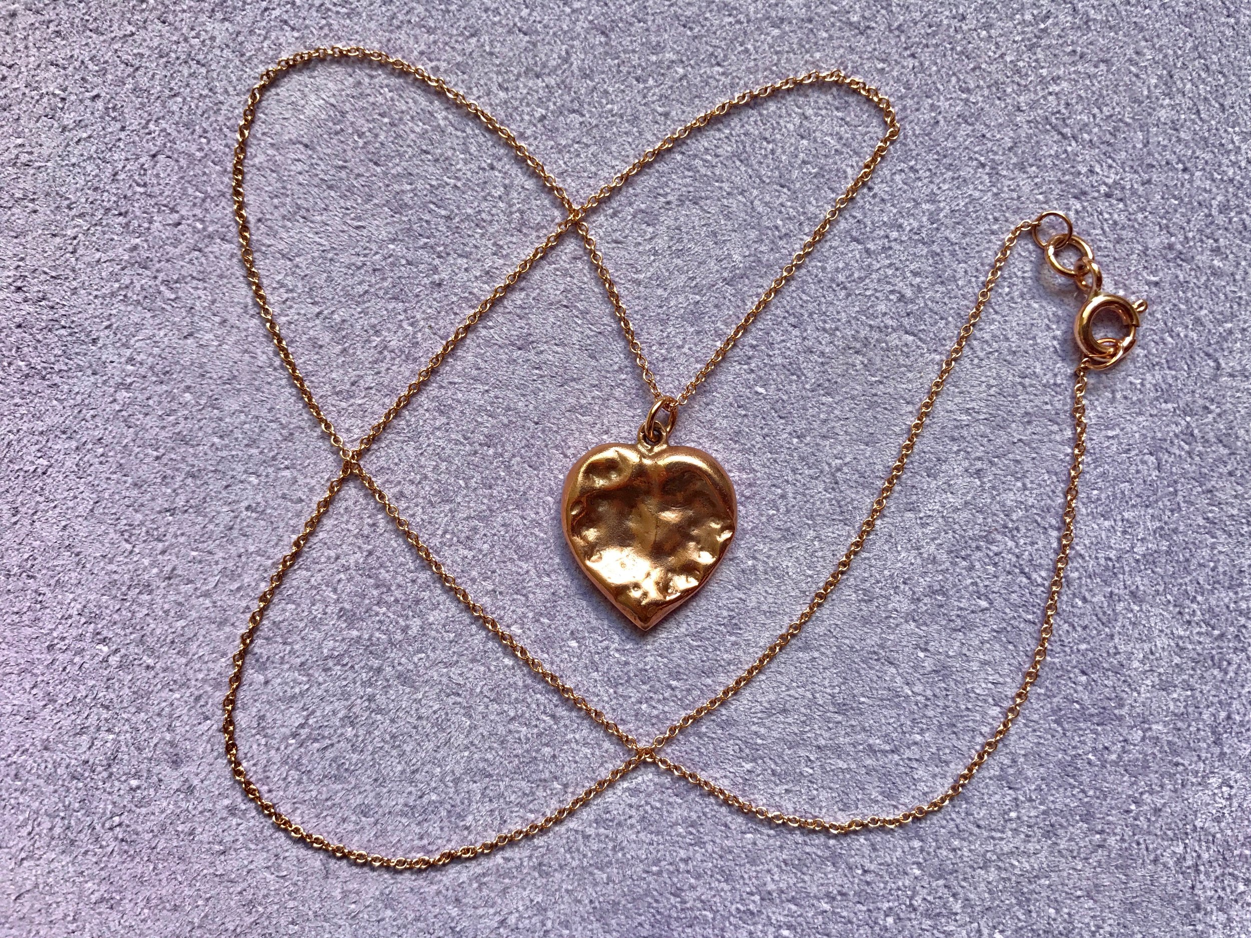 ROSE GOLD CHEWED HEART PENDANT NECKLACE