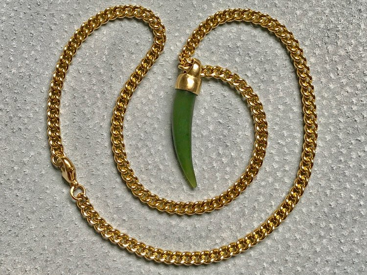 HEAVY GOLD CURB CHAIN WITH AVENTURINE TUSK PENDANT