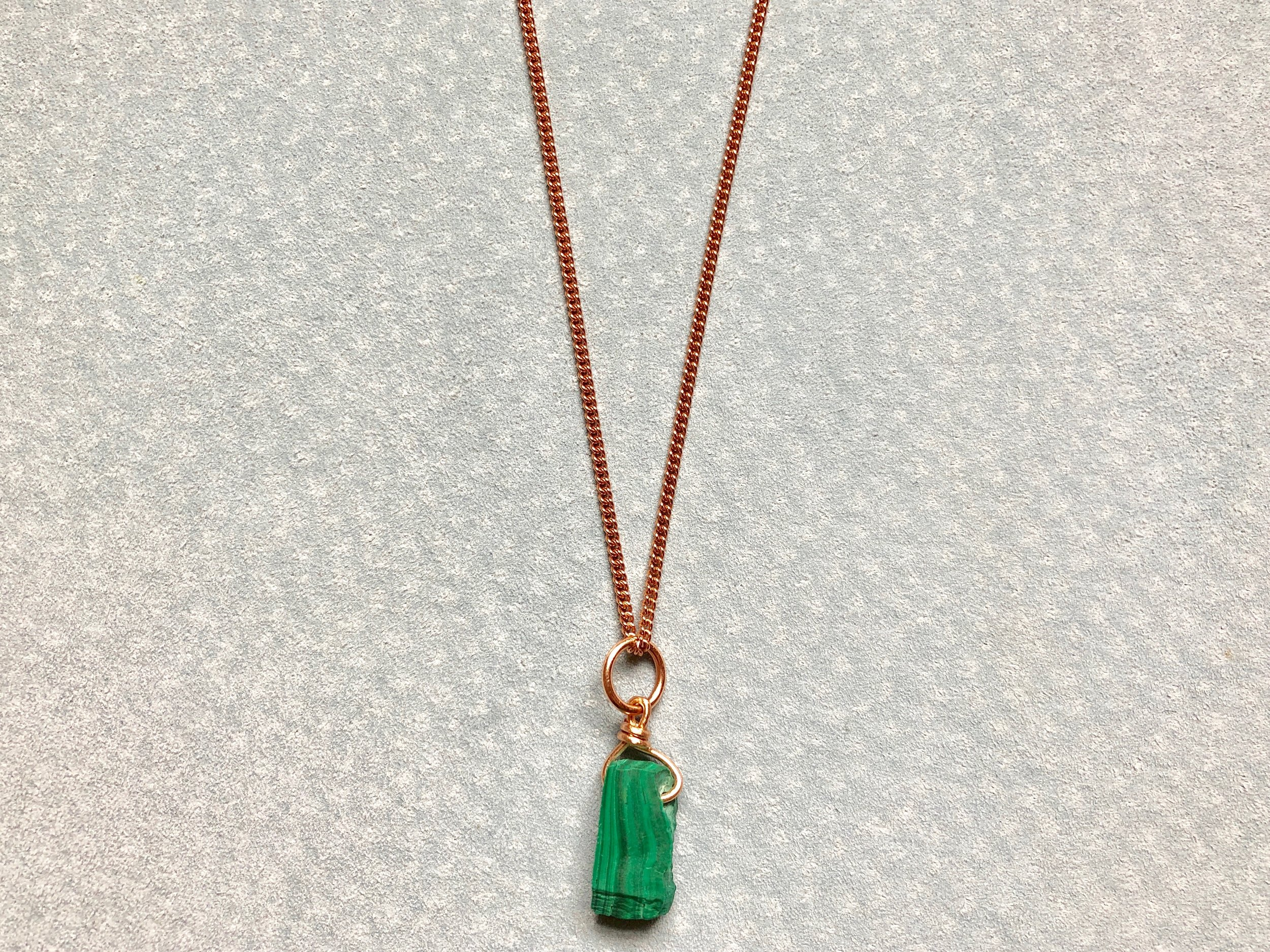 MALACHITE PENDANT ON ROSE GOLD CURB CHAIN
