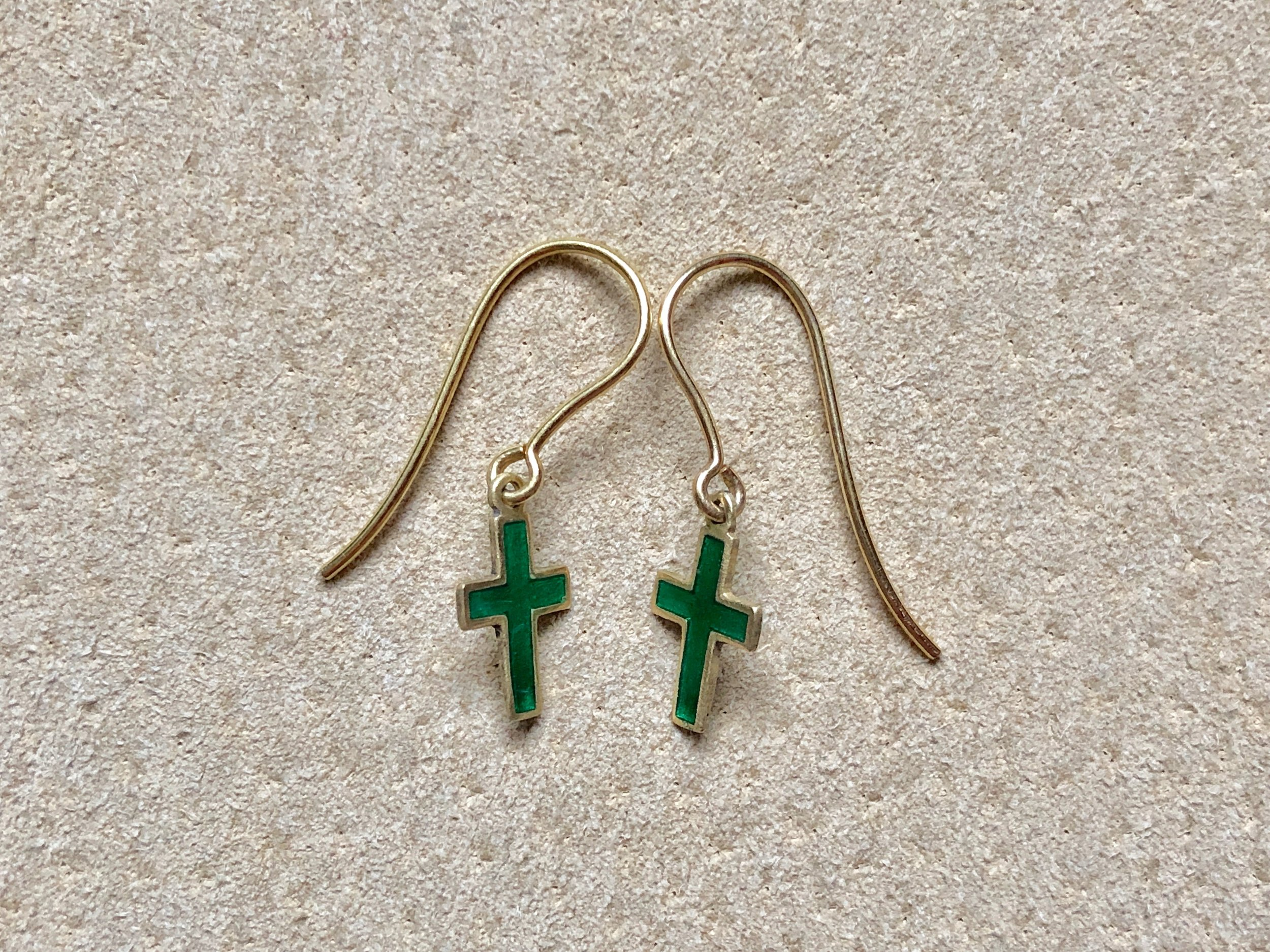 18CT GREEN ENAMEL CROSS EARRINGS