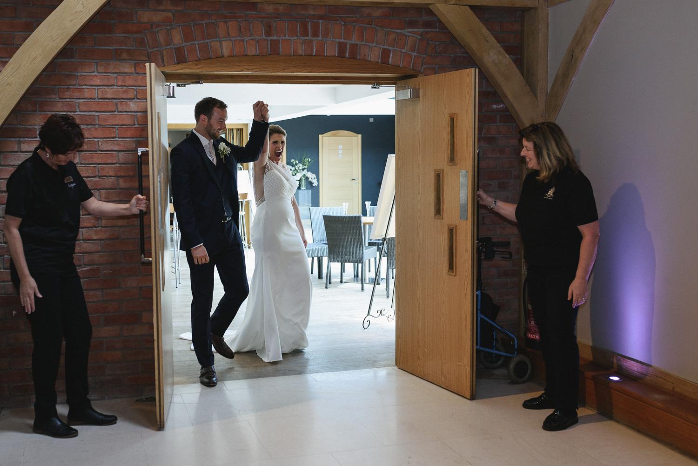 Redhouse Barn Wedding photography-104.jpg