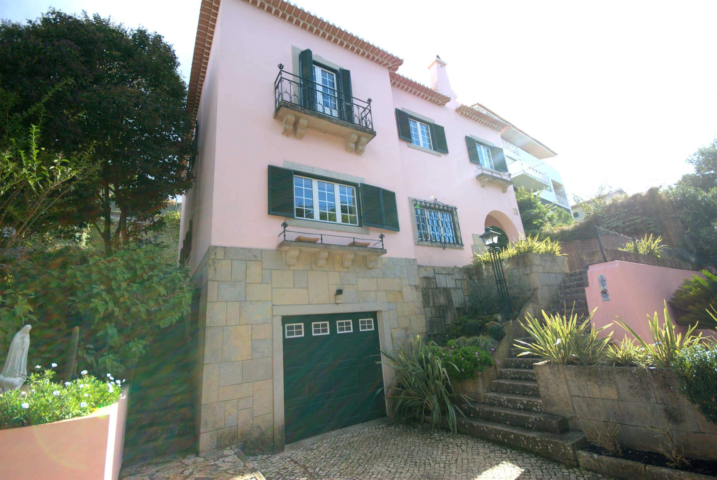 Casa front Oeiras.jpg