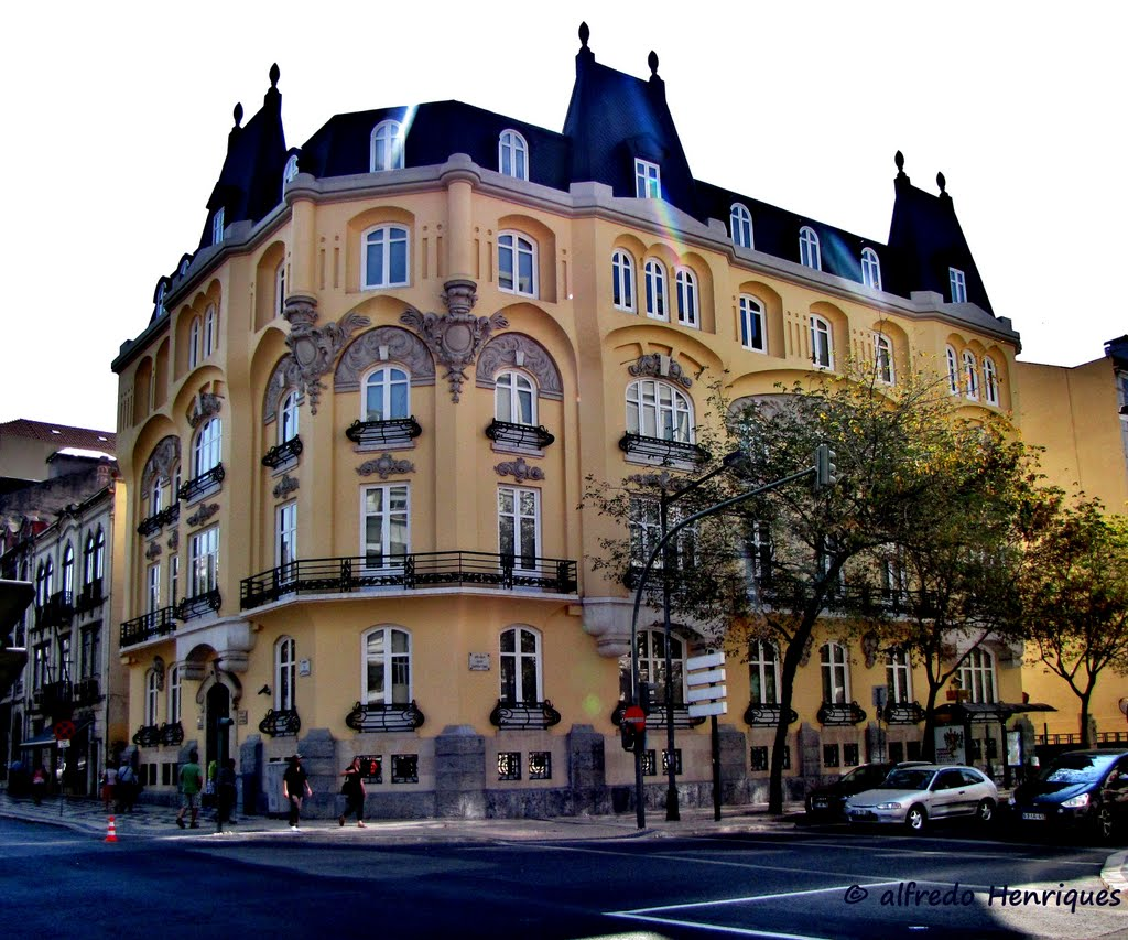 Honest Buildings av. Républica.jpg