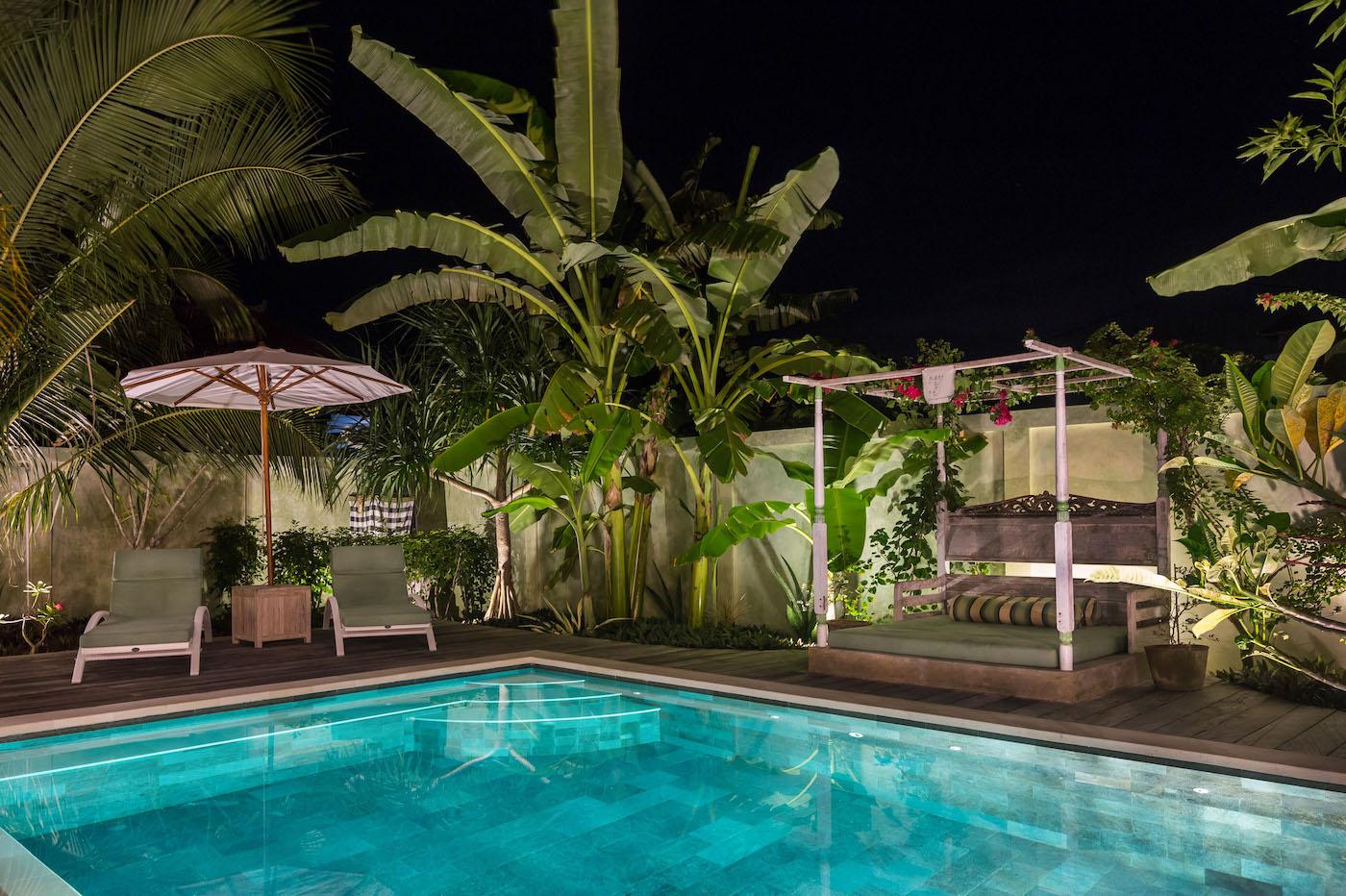 pool_night.jpg