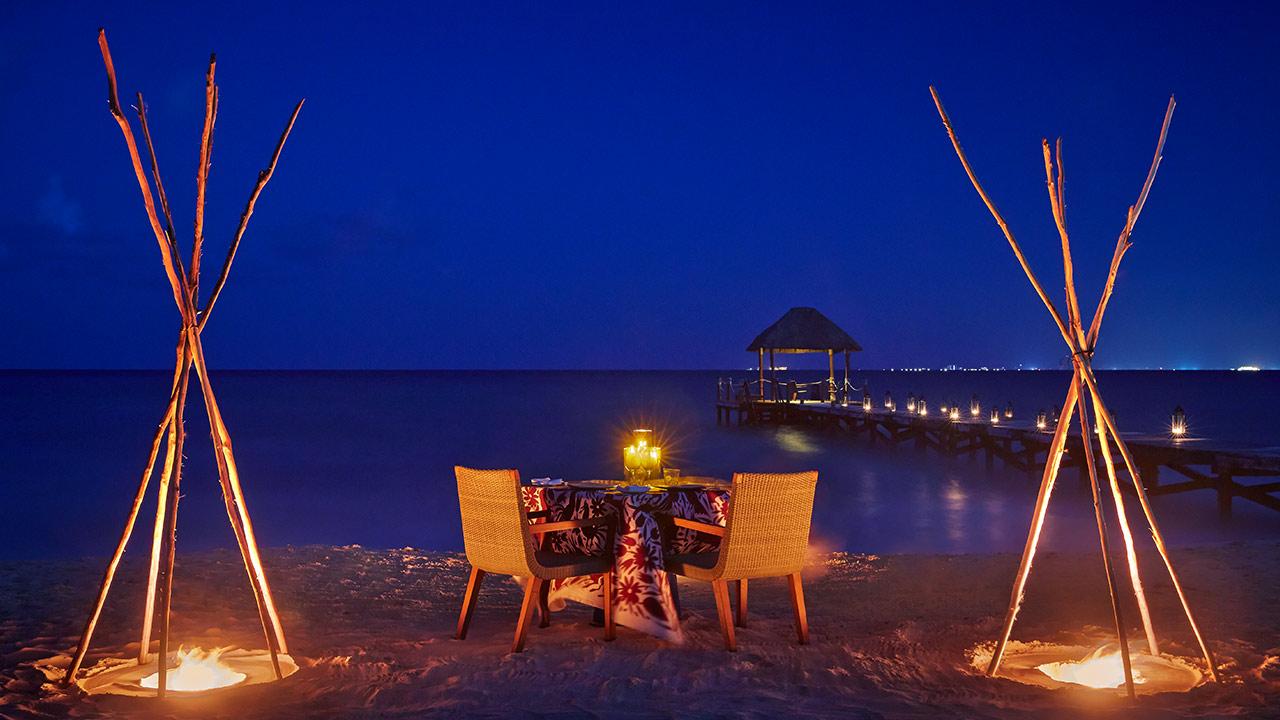 vrm-beach-dinner-1280x720.jpg
