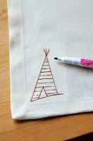 DIY+Napkins+with+Fabric+Marker+(5).JPG