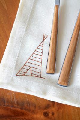 Anthropologie+Inspired+DIY+Tee-Pee+Napkin+(3).JPG