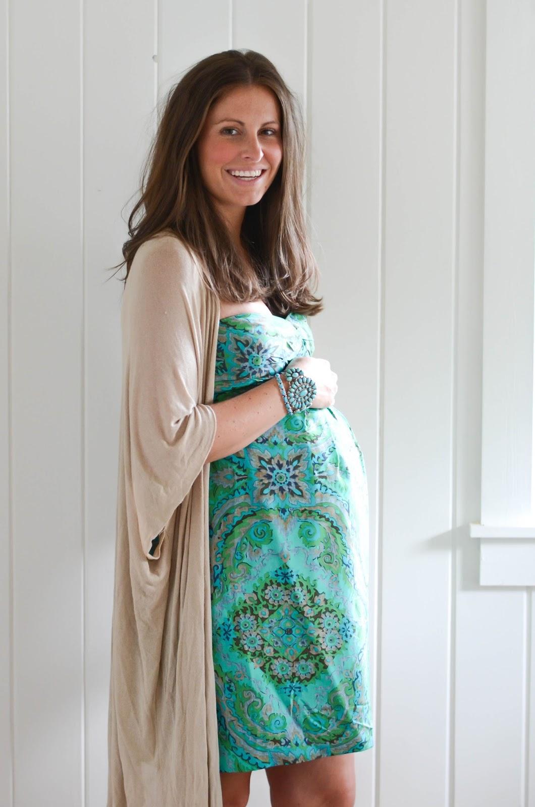 20+Weeks+Pregnant+Twins+(1).jpg