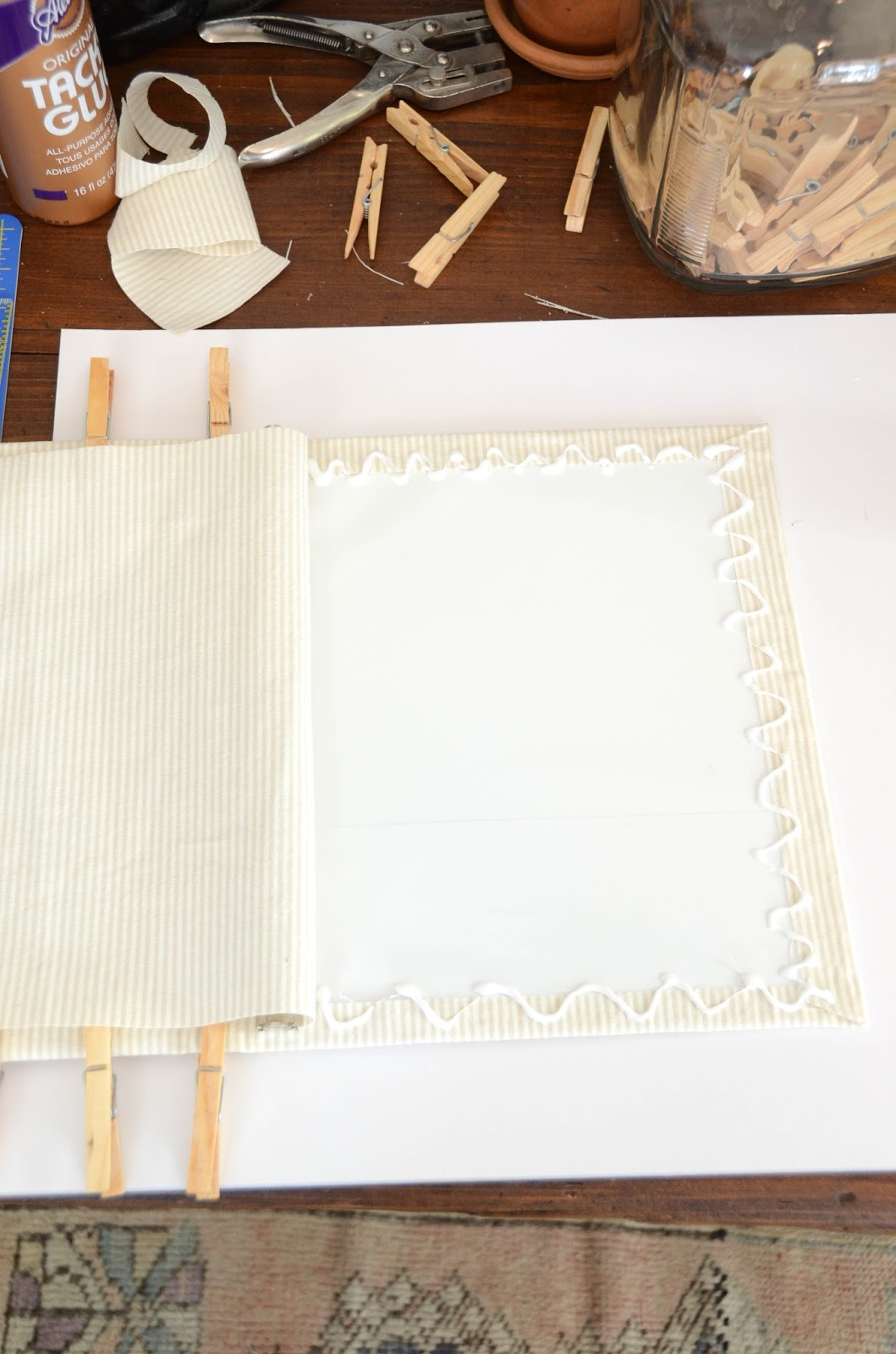 Fabric+Covered+Binder+Tutorial+(17).jpg