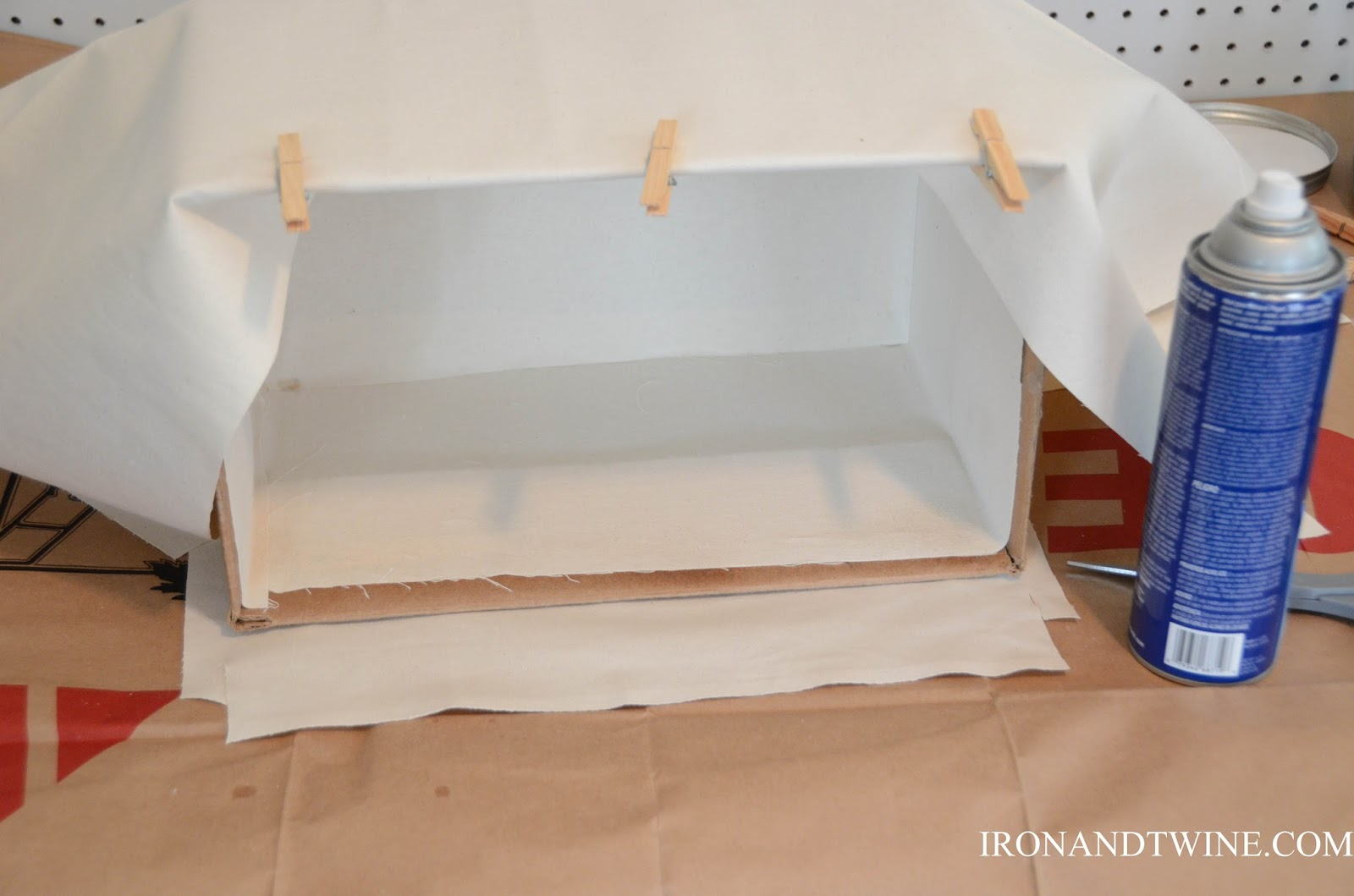 DIY+Belt+Handled+Box,+DIY+fabric+covered+box,+Iron+and+Twine+(24).jpg
