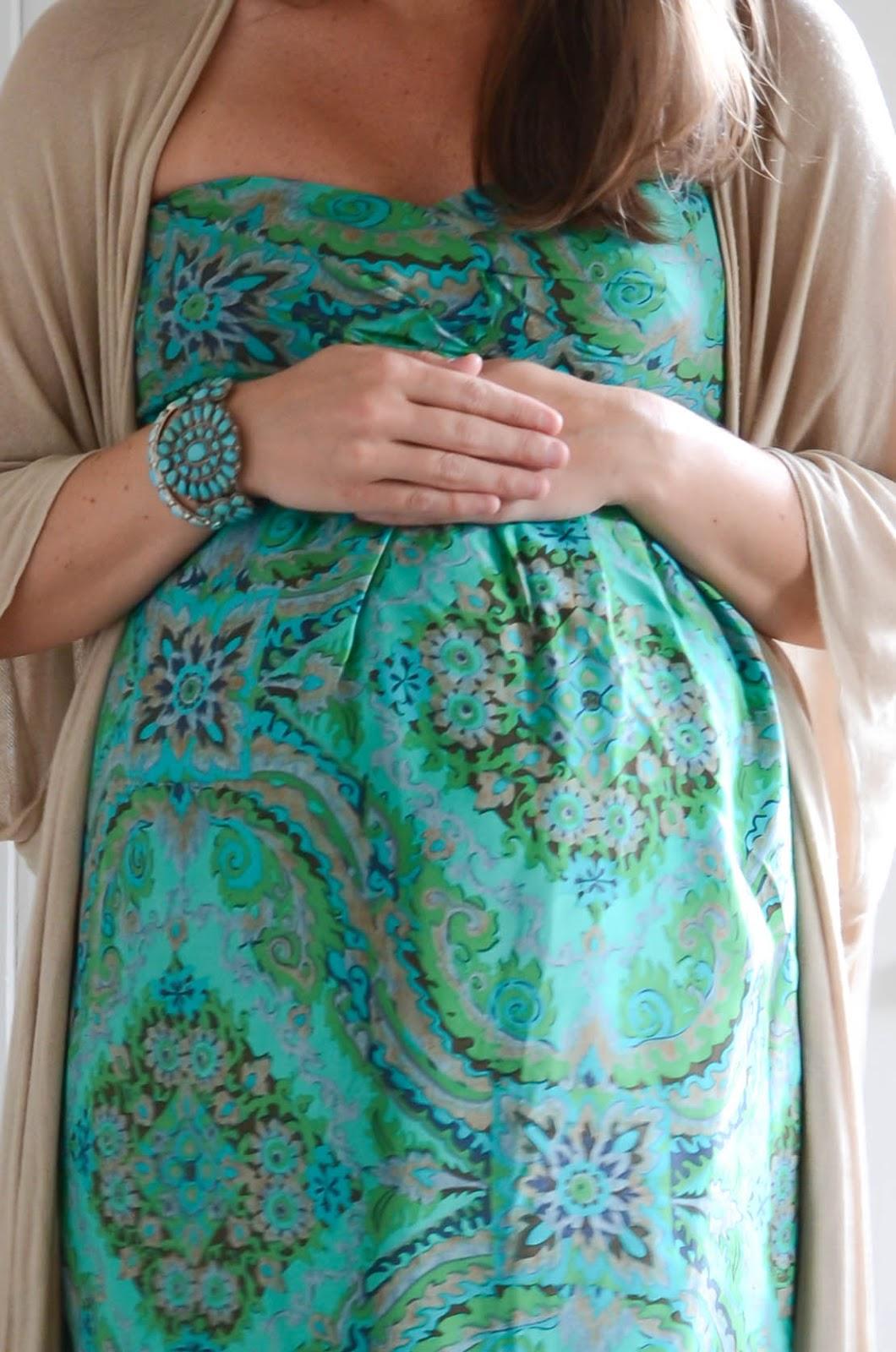 20+Weeks+Pregnant+Twins+(7).jpg