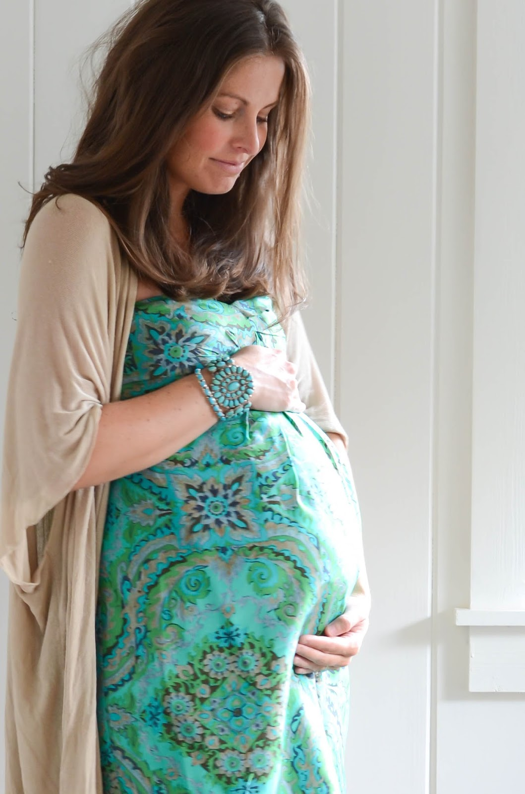 20+Weeks+Pregnant+Twins+(4).jpg