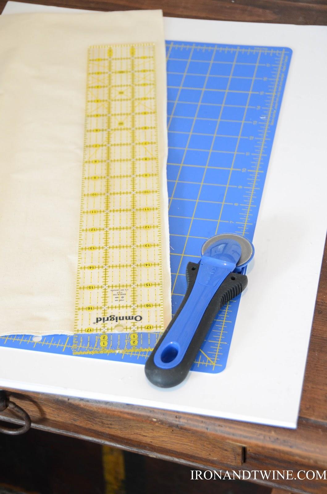 DIY+Belt+Handled+Box,+DIY+fabric+covered+box,+Iron+and+Twine+(13).jpg