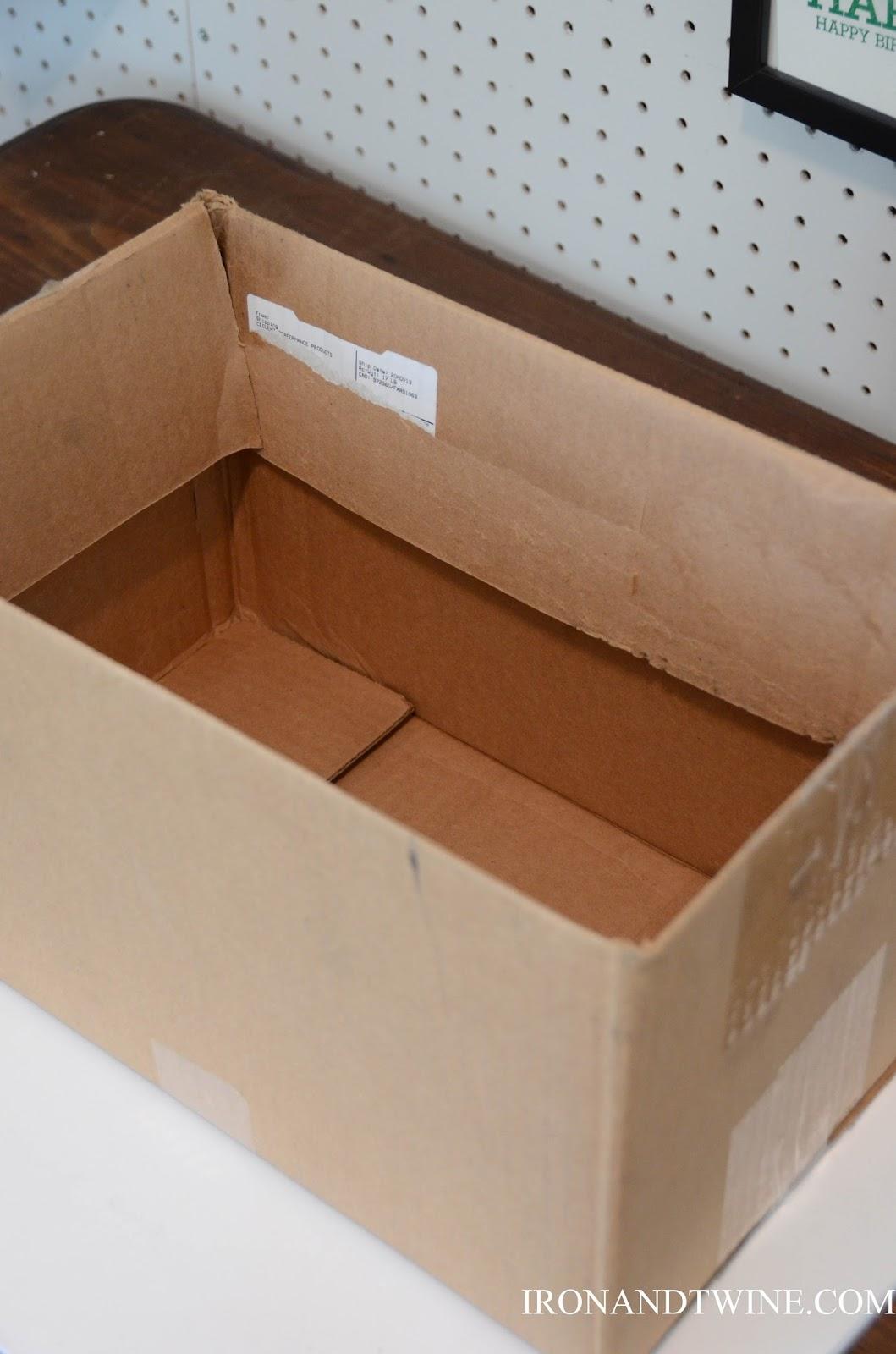 DIY+Belt+Handled+Box,+DIY+fabric+covered+box,+Iron+and+Twine+(12).jpg