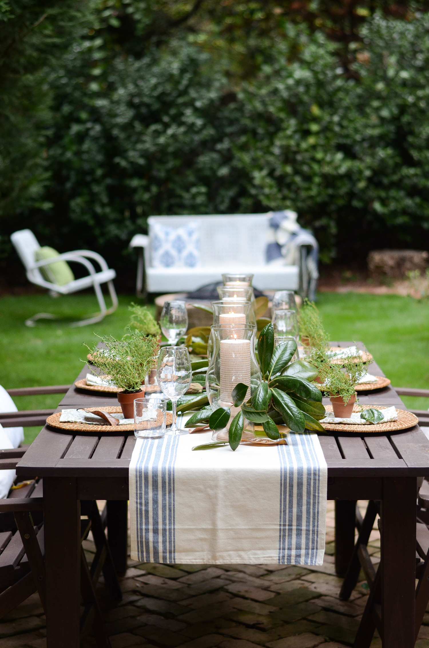 An effortless fall table with a magnolia leaf runner