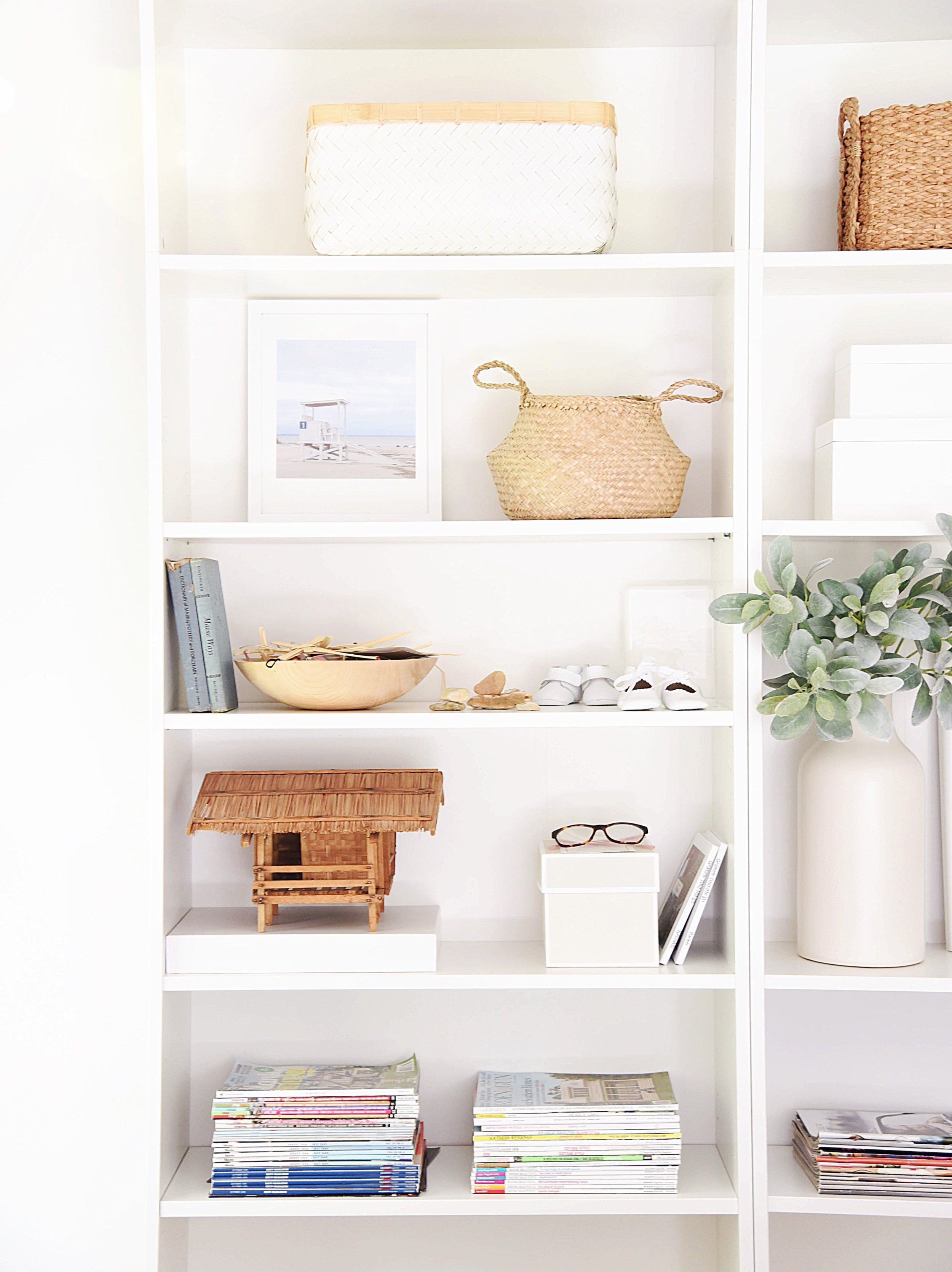 bookshelf styling | 11 tips & tricks for what to display and how to style it by @michellecannonsmith