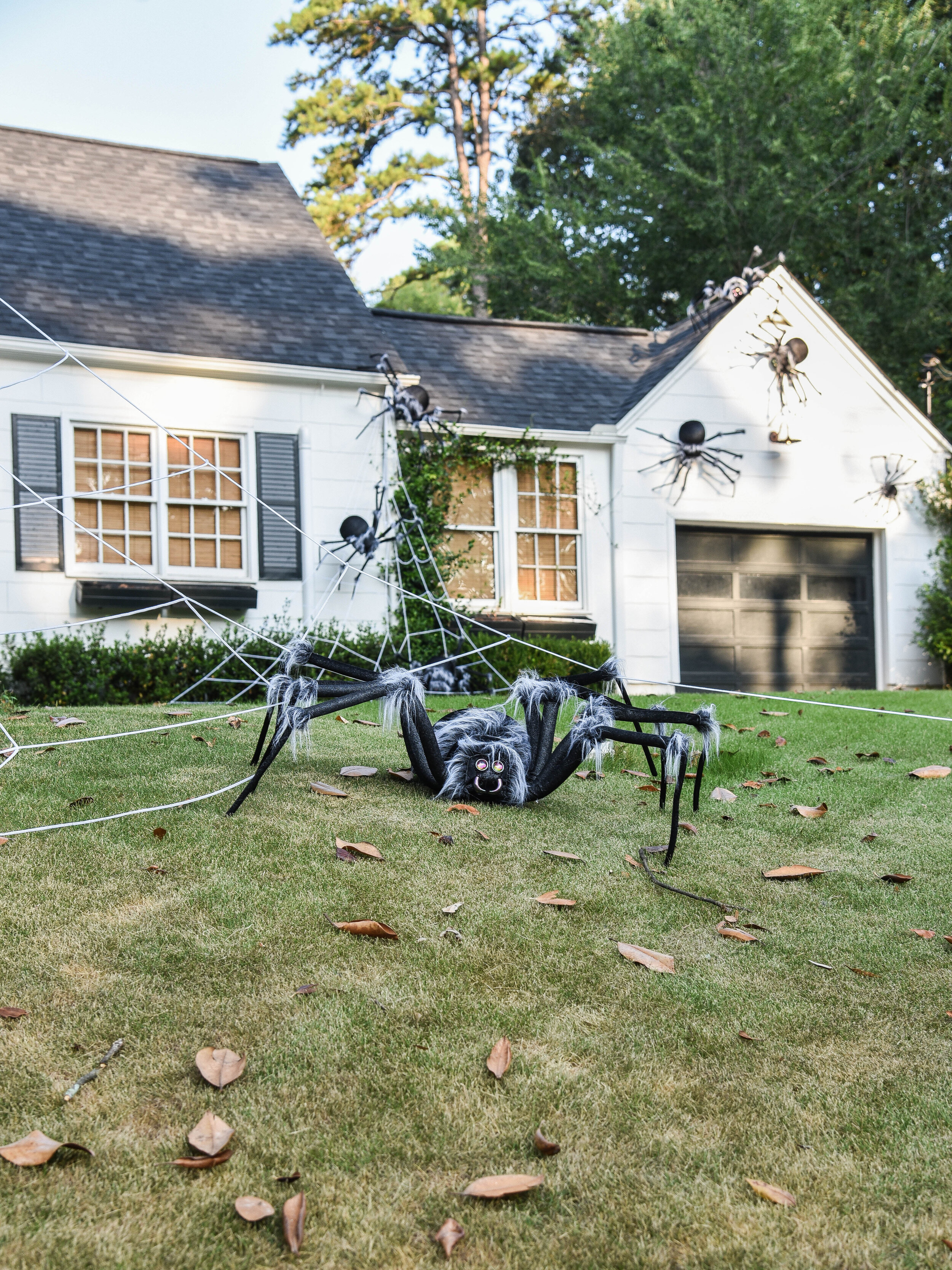 Outdoor Halloween Decorations Spooky Kid Friendly Spiders Iron Twine