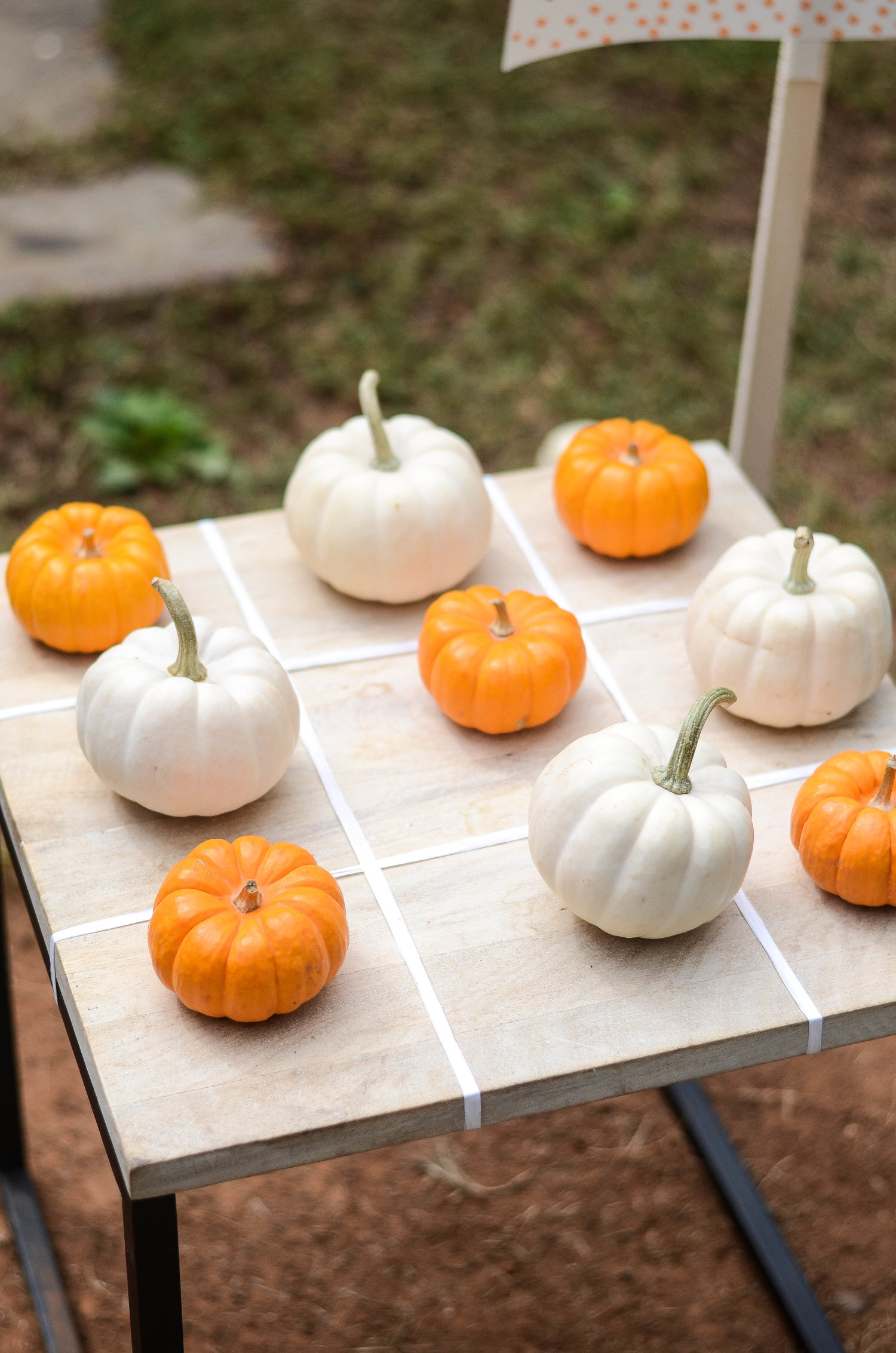 Tic Tac Toe - Grab the pumpkins, make a grid, and show your kids what a real tic tac toe champion looks like :)