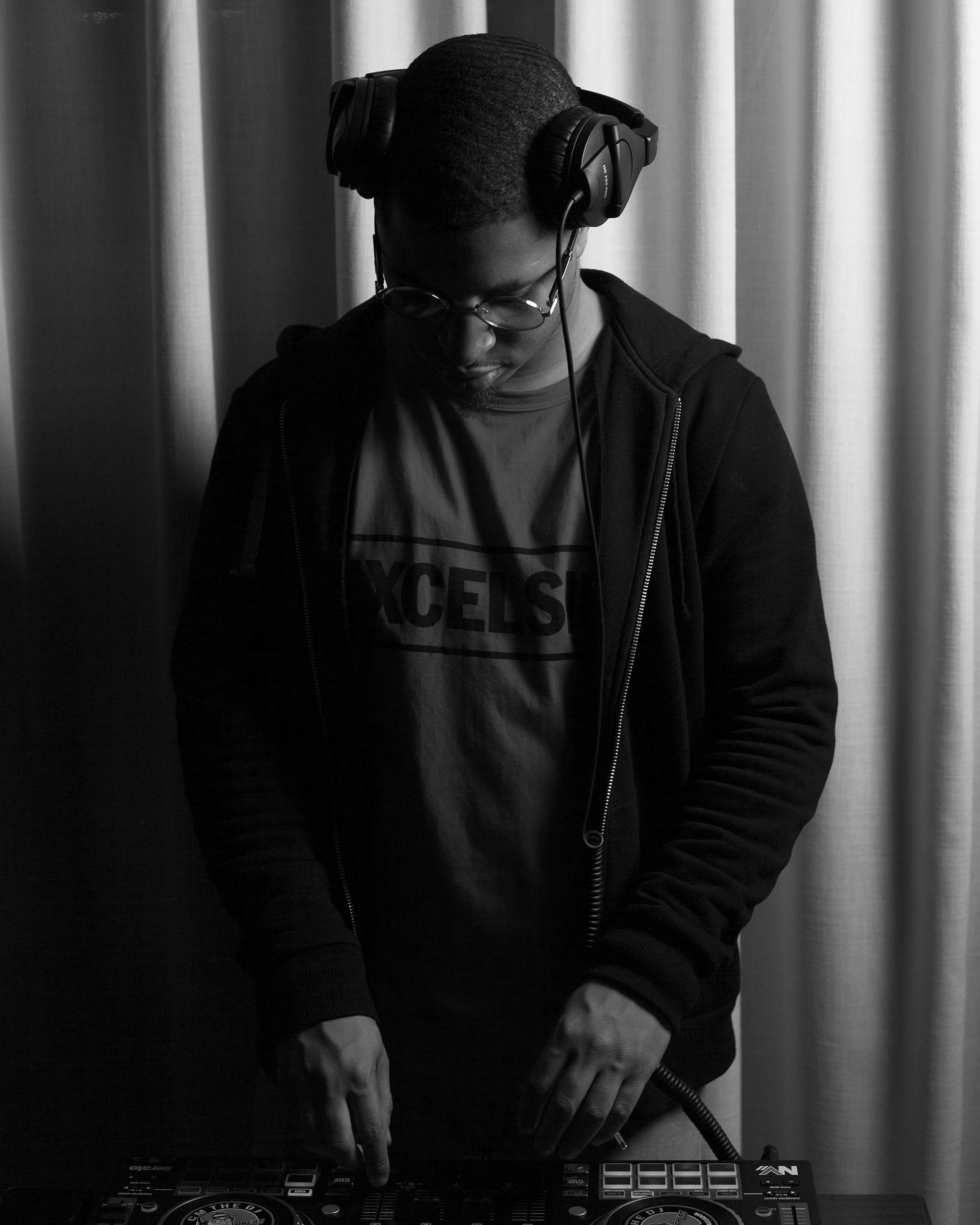 DJ_002.jpg