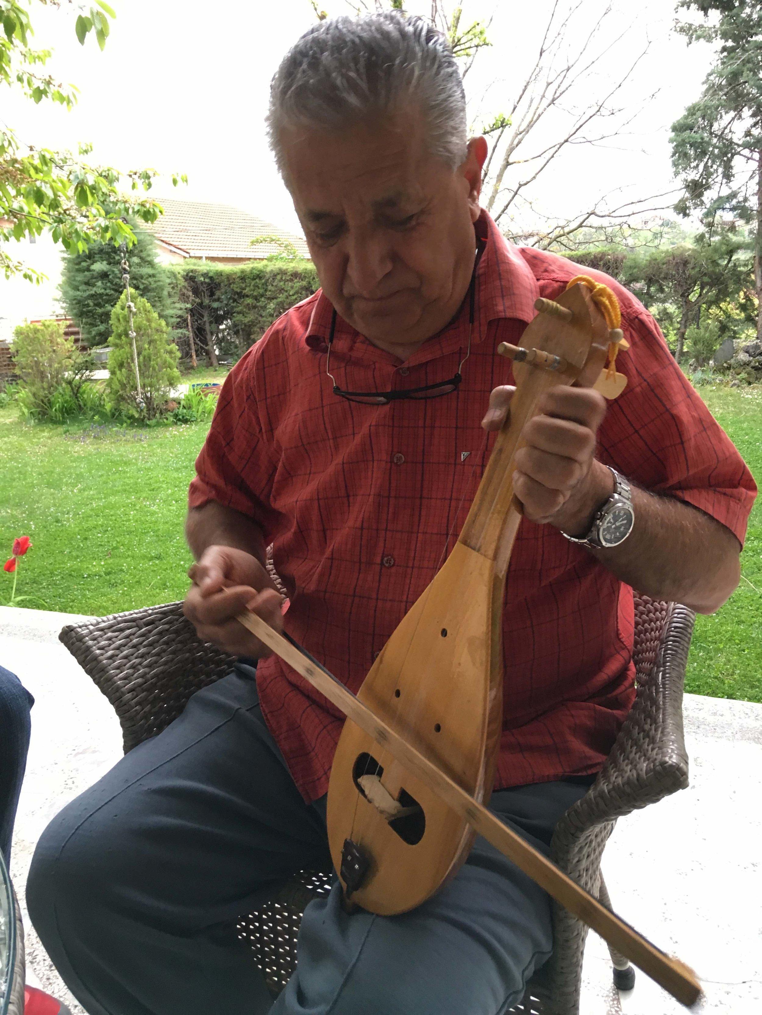 Boro Stoilov playing kemane, Skopje, Macedonia