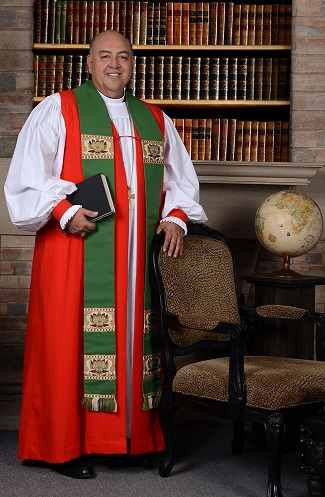 Bishop Hector was born in Guatemala and was Bishop of Costa Rica for 14 years before he came to the Diocese of Texas to help Bishop Andy Doyle. Bishop Hector will visit 45 congregations during the year; primarily in the southern region of the Diocese of Texas. He will also work to grow a multicultural presence in our congregations and help to find people in our Hispanic congregations who may want to become a deacon or priest.
