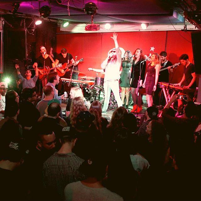 the brady oh show @pianosnyc . . #rockstar #rockandroll #diymusician #indierock #indiepop #punkrock #indieartist #livemusic #ilovemusic #music #musically #pianoman #nordelectro #fender #vans #artist #art #indie #nevergiveup #concertphotography