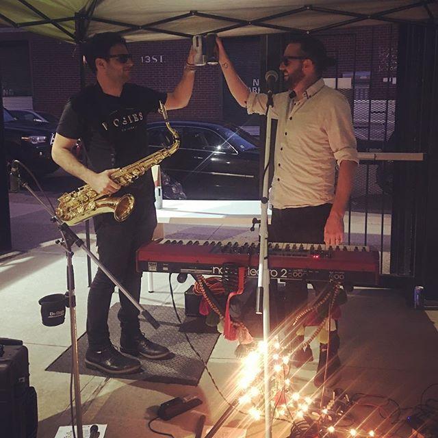cheers...epic show thx @makemusicny @theyard @smithareensmusic 📷 @sarajoymadsen . . #makemusicday #makemusic #livemusic #pianoman #saxman #rockandroll #indieartist #indieartist #indiemusician #indierock #indiepop #nyc #brooklyn #ilovemusic #funk #jazz #pop #music #musically #art #simplythebest