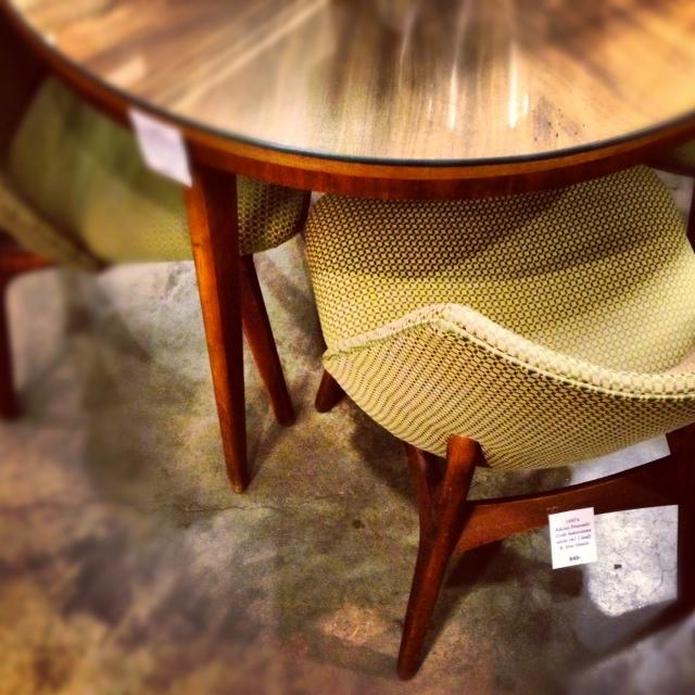 chairs_21919657776_o.jpg
