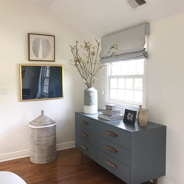 Just plain good 💙 this corner of the master bedroom from our #northside_project ..... #interiordesign #victoriabalsoninteriors #grayandwhite #masterbedroom