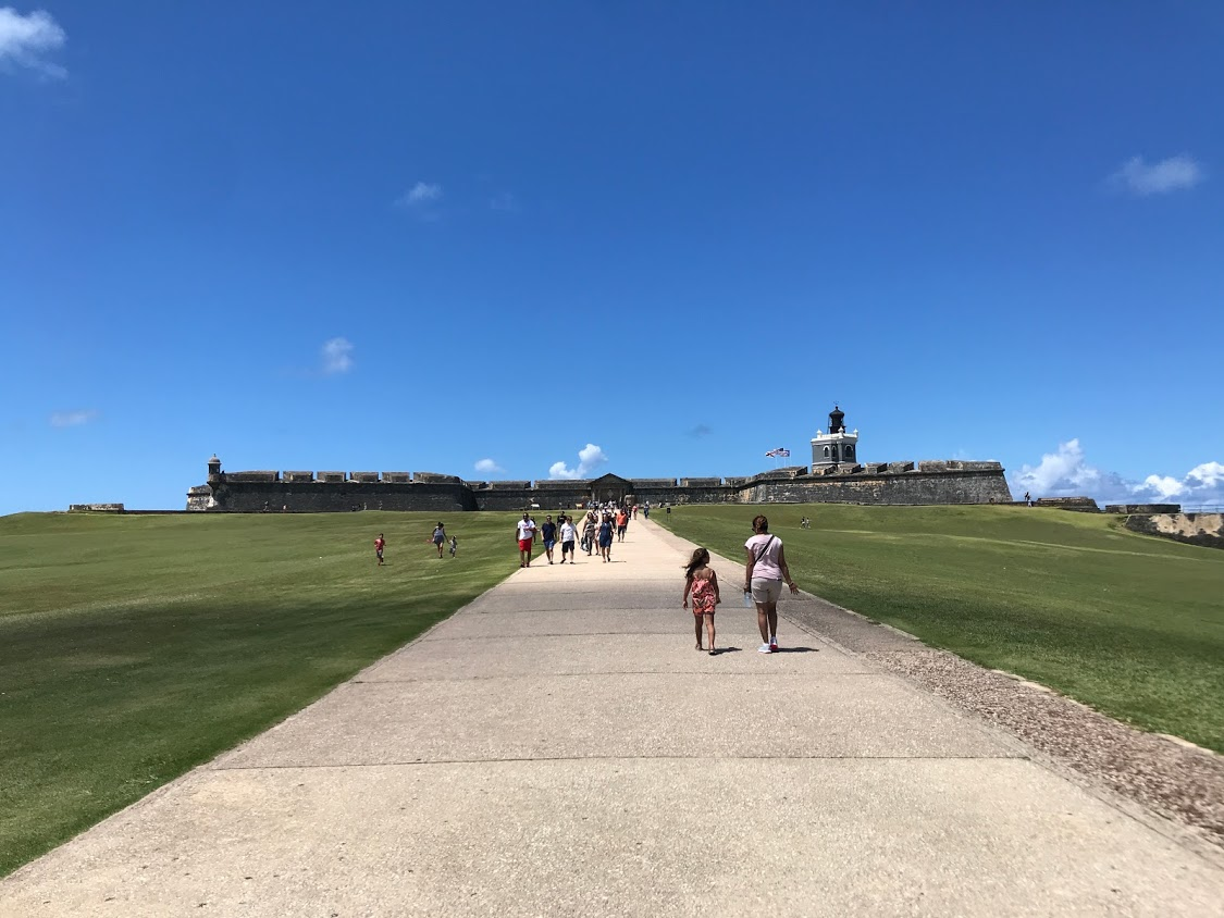 This is a picture of the fort on the outside of Old San Juan overlooking the coast