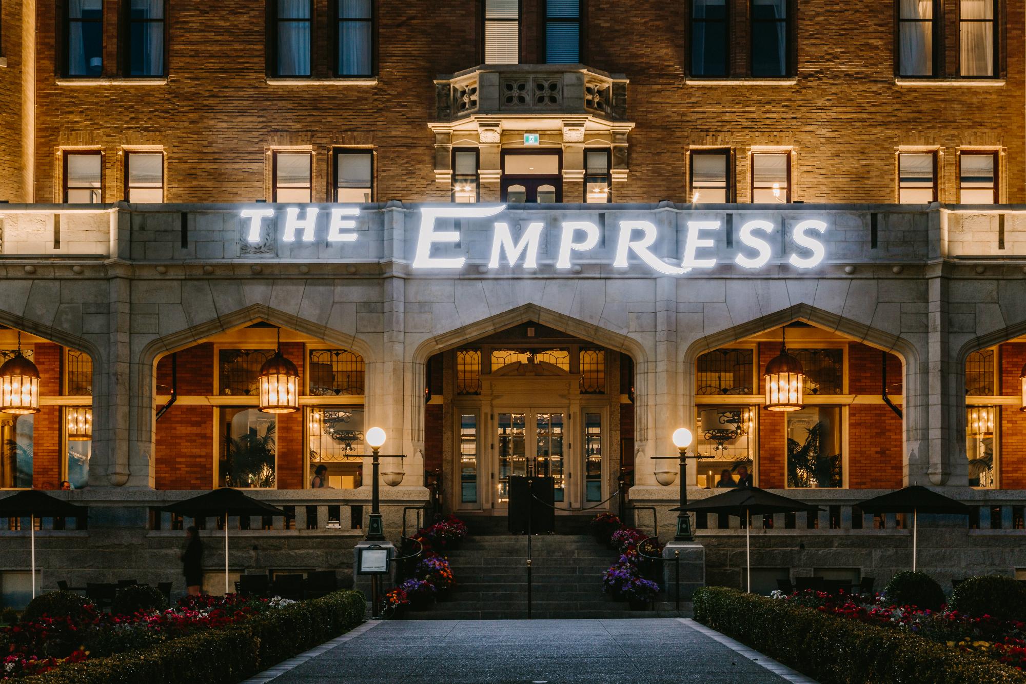 JonMarkPhotography-KnightSigns-EmpressHotel-1008 v2.jpg