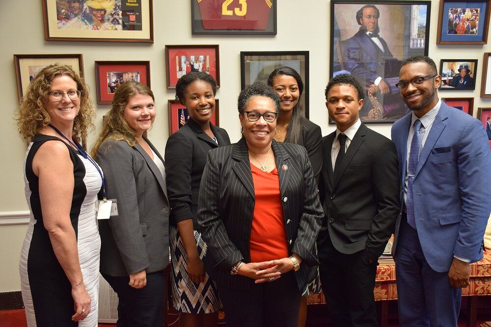 Rep. Marcia Fudge (center) with interns from her DC and Ohio offices on National Intern Day, 2019 (Credit: Twitter )