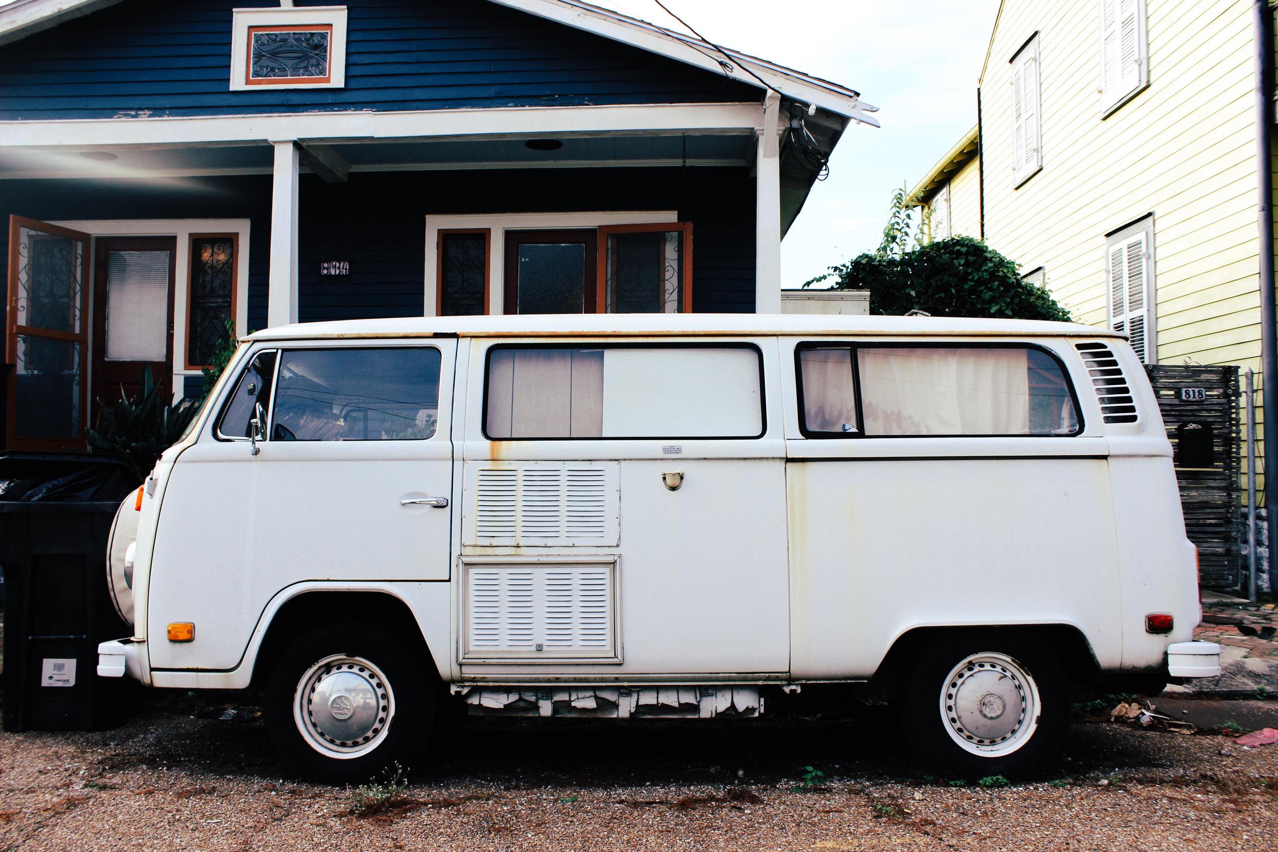 New Orleans VW bus: ouiwegirl.com