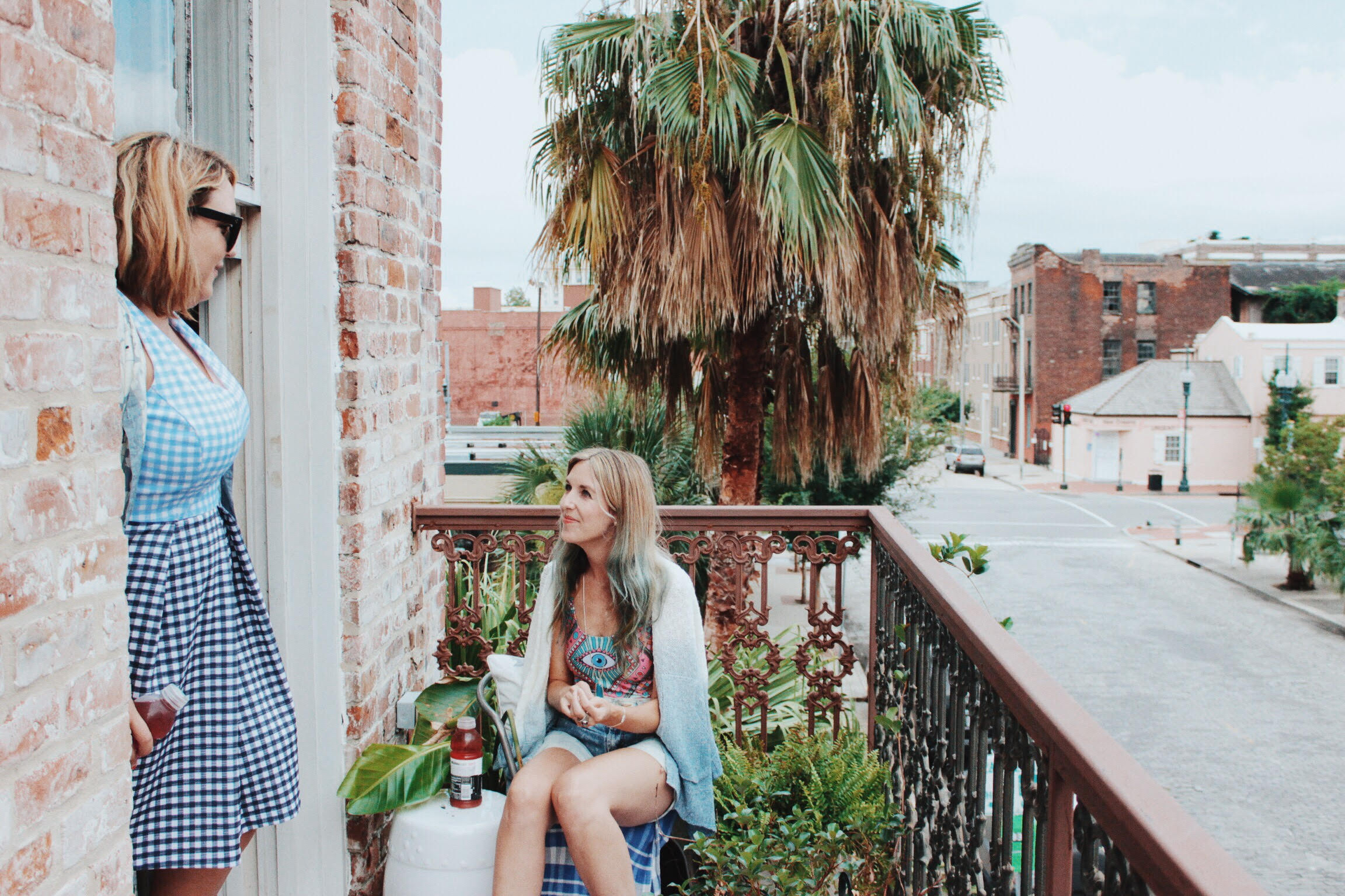 Girls on a New Orleans balcony
